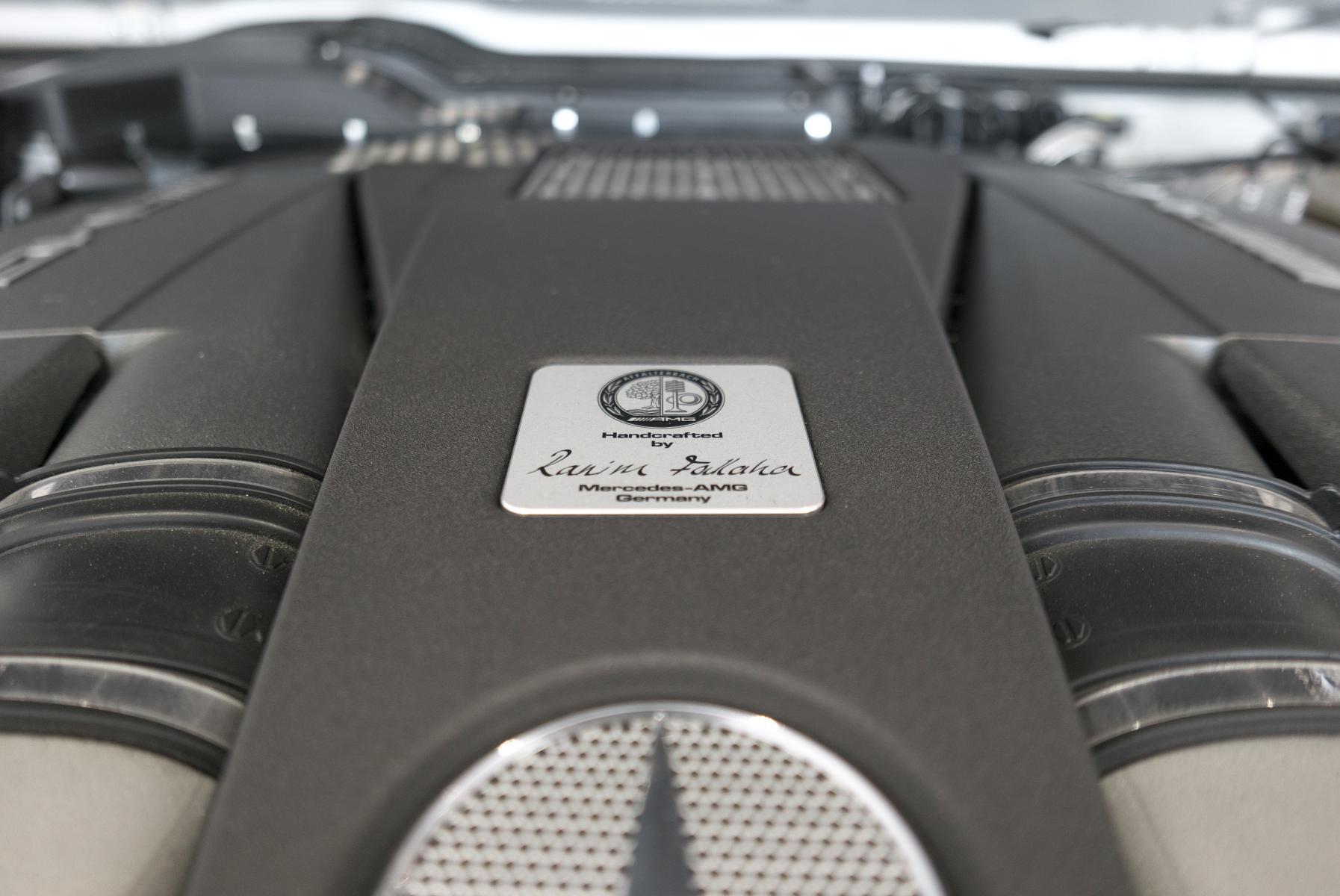 メルセデスAMG G63 ロング エンジン