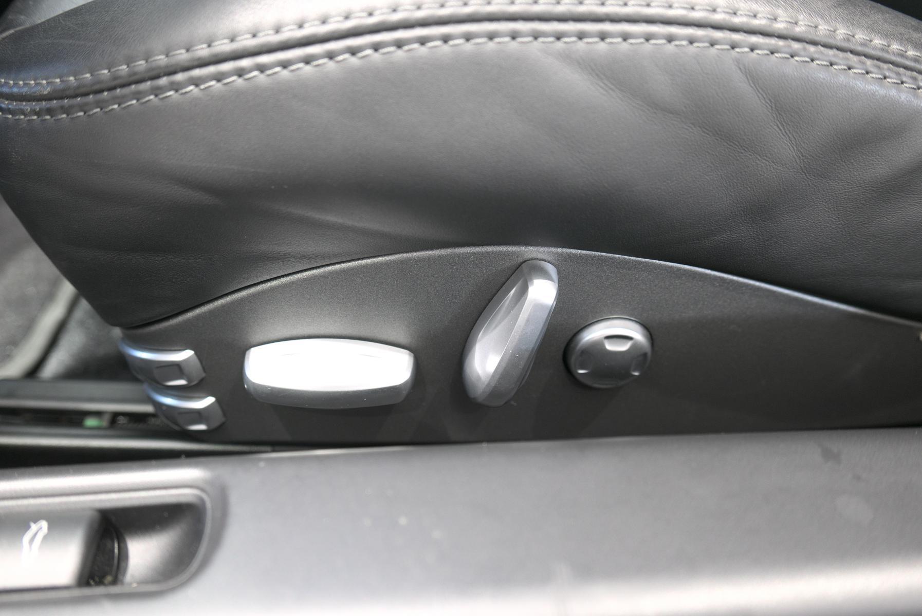 ポルシェ 911 997 運転席パワーシートスイッチ