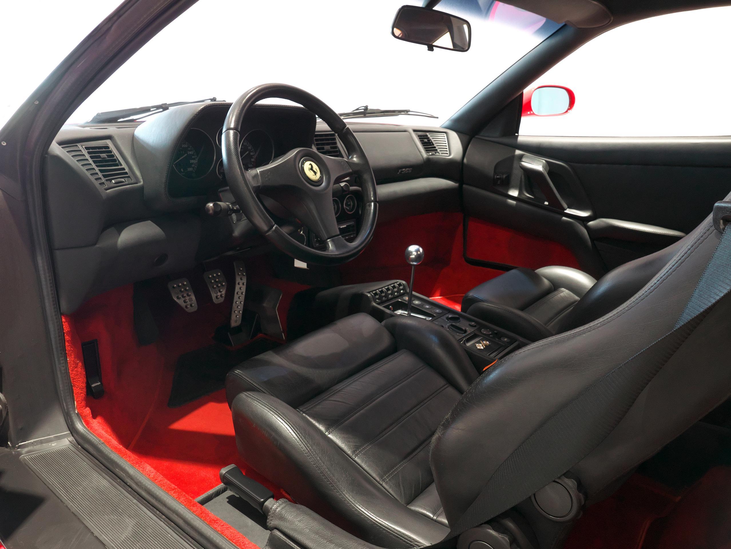 フェラーリ F355 ベルリネッタ 運転席 02