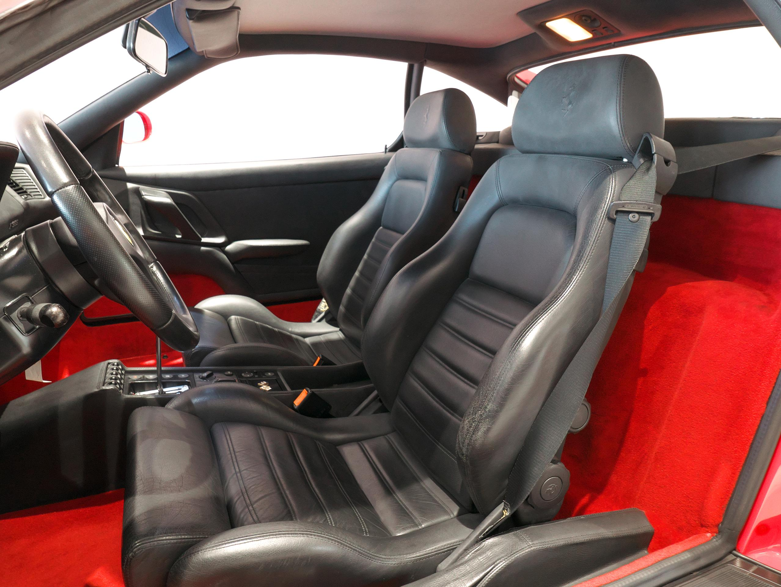 フェラーリ F355 ベルリネッタ 運転席