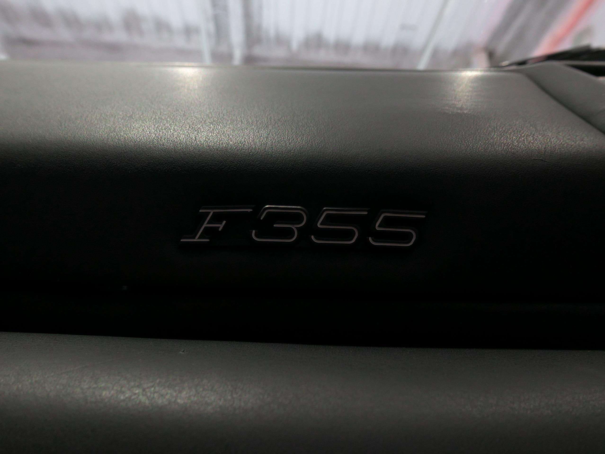 フェラーリ F355 ベルリネッタ バッジ