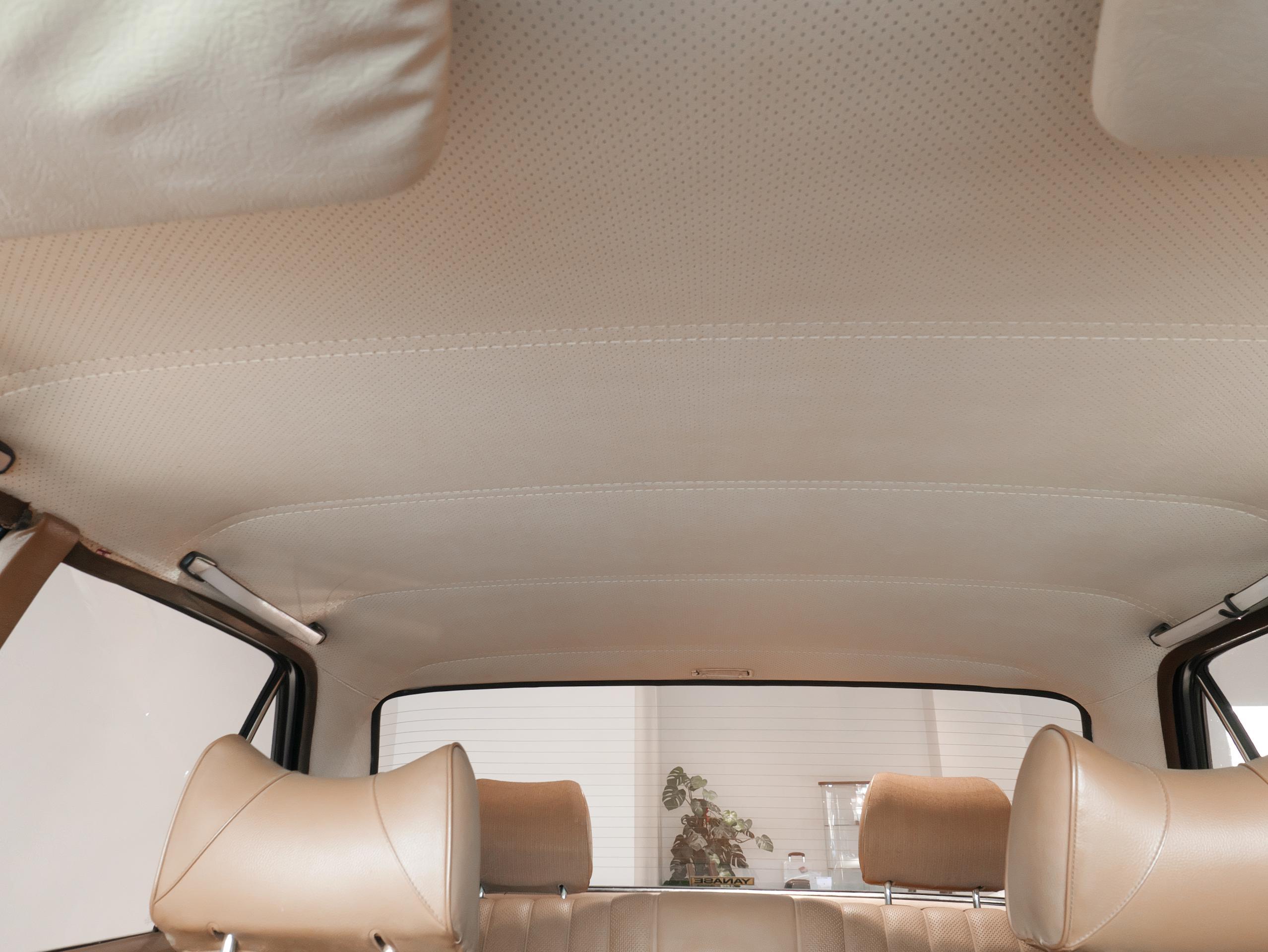 メルセデスベンツ W114 250 天井内張