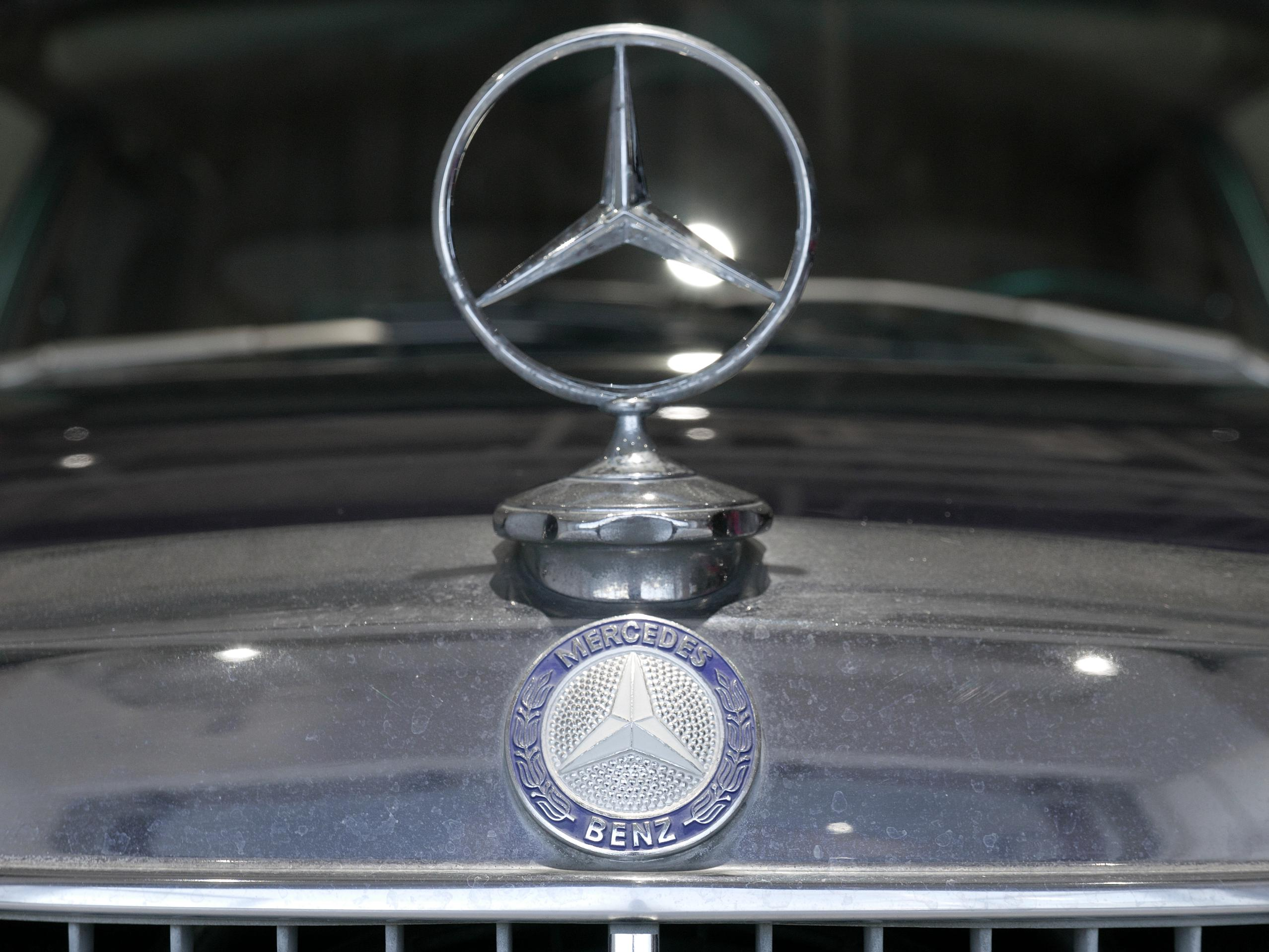 Mercedes Benz W114 250
