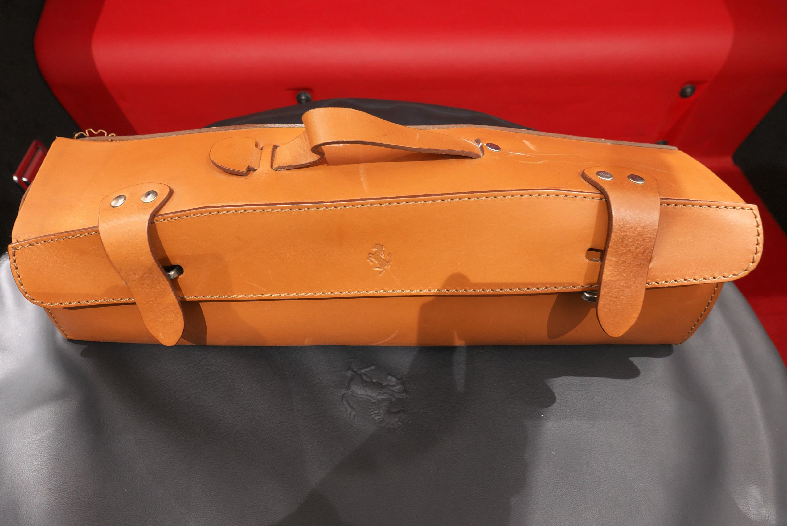 フェラーリ F12 ベルリネッタ 車載工具バッグ