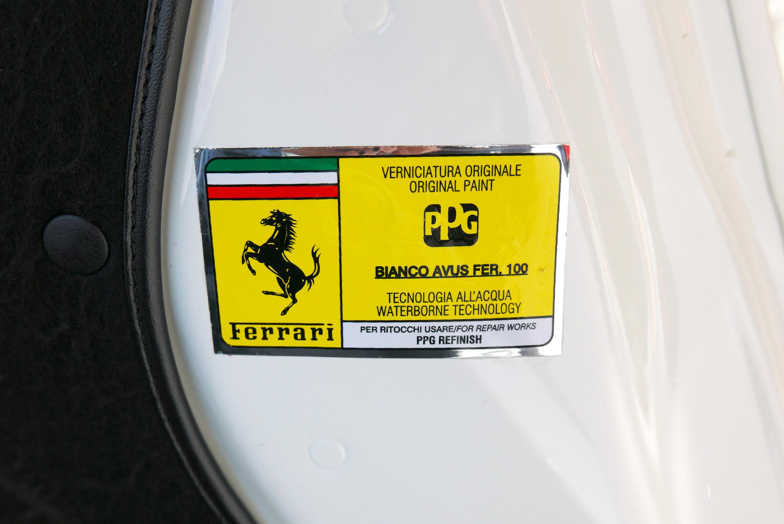 フェラーリ F12 ベルリネッタ カラーコード