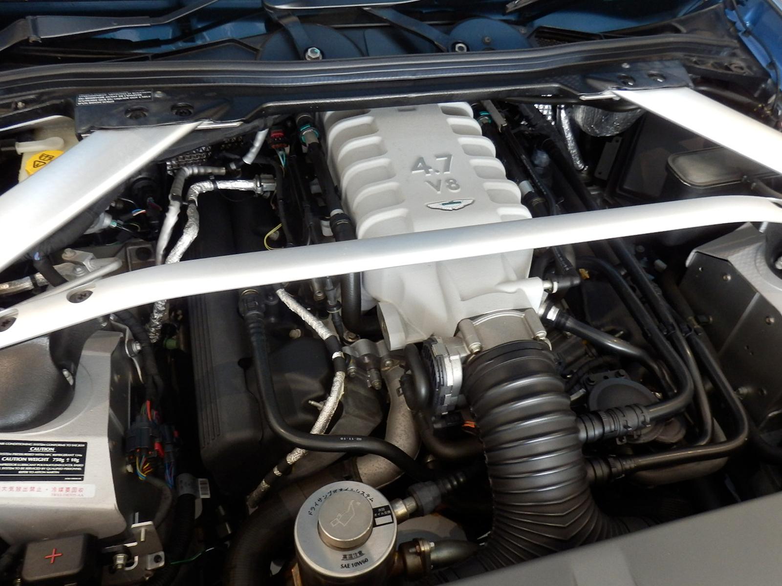 V8 ヴァンテージ N420 エンジン