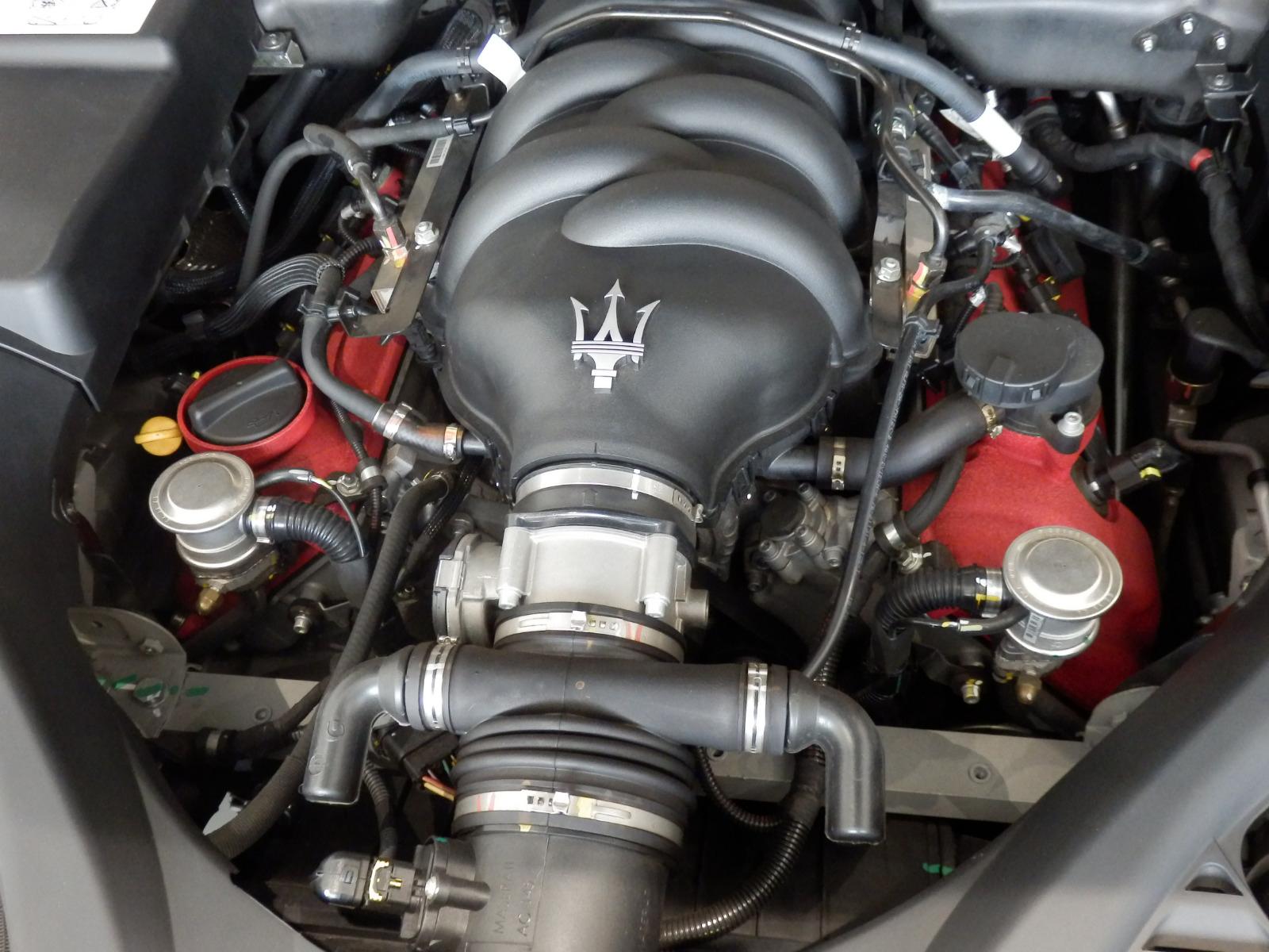 クアトロポルテ スポーツGT S MCスポーツライン エンジン