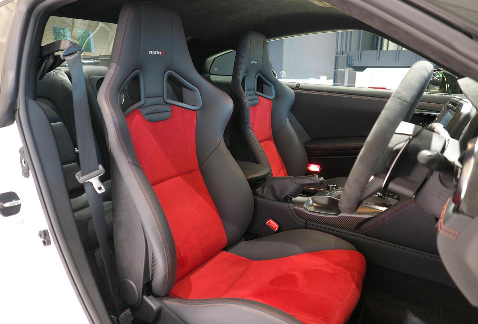 日産 GT-R NISMO 運転席シート