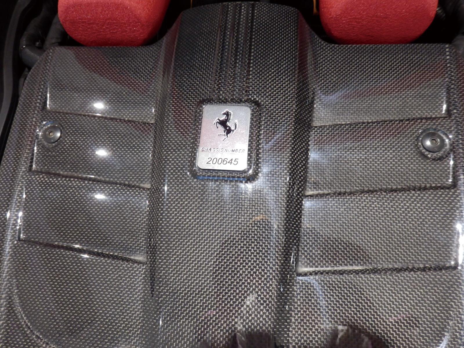 F12 ベルリネッタ ロッソコルサ カーボンエンジンカバー