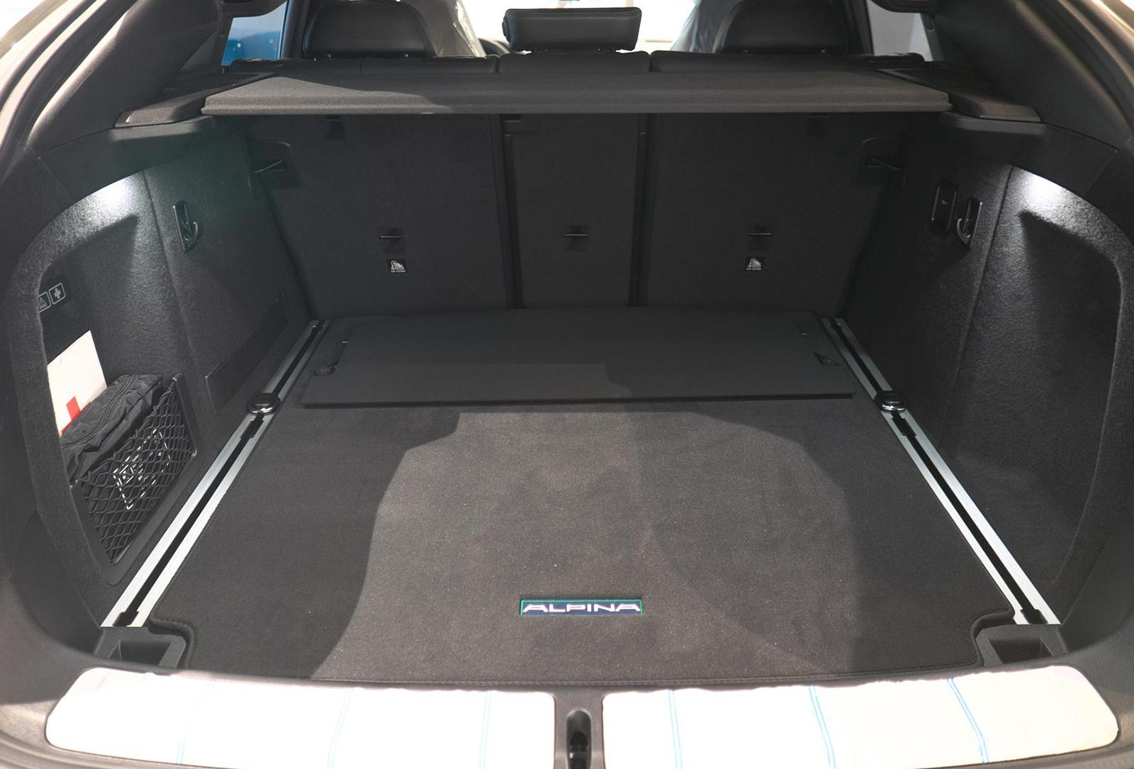 BMW アルピナ XD4 Allrad ラッゲジスペース