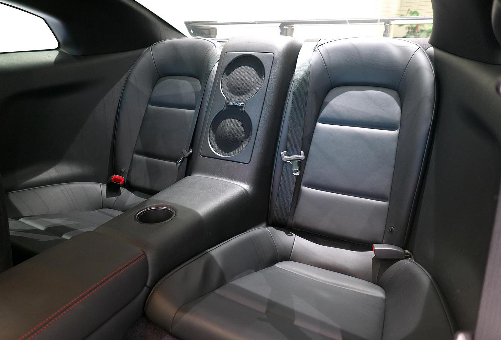 日産 GT-R NISMO リアシート