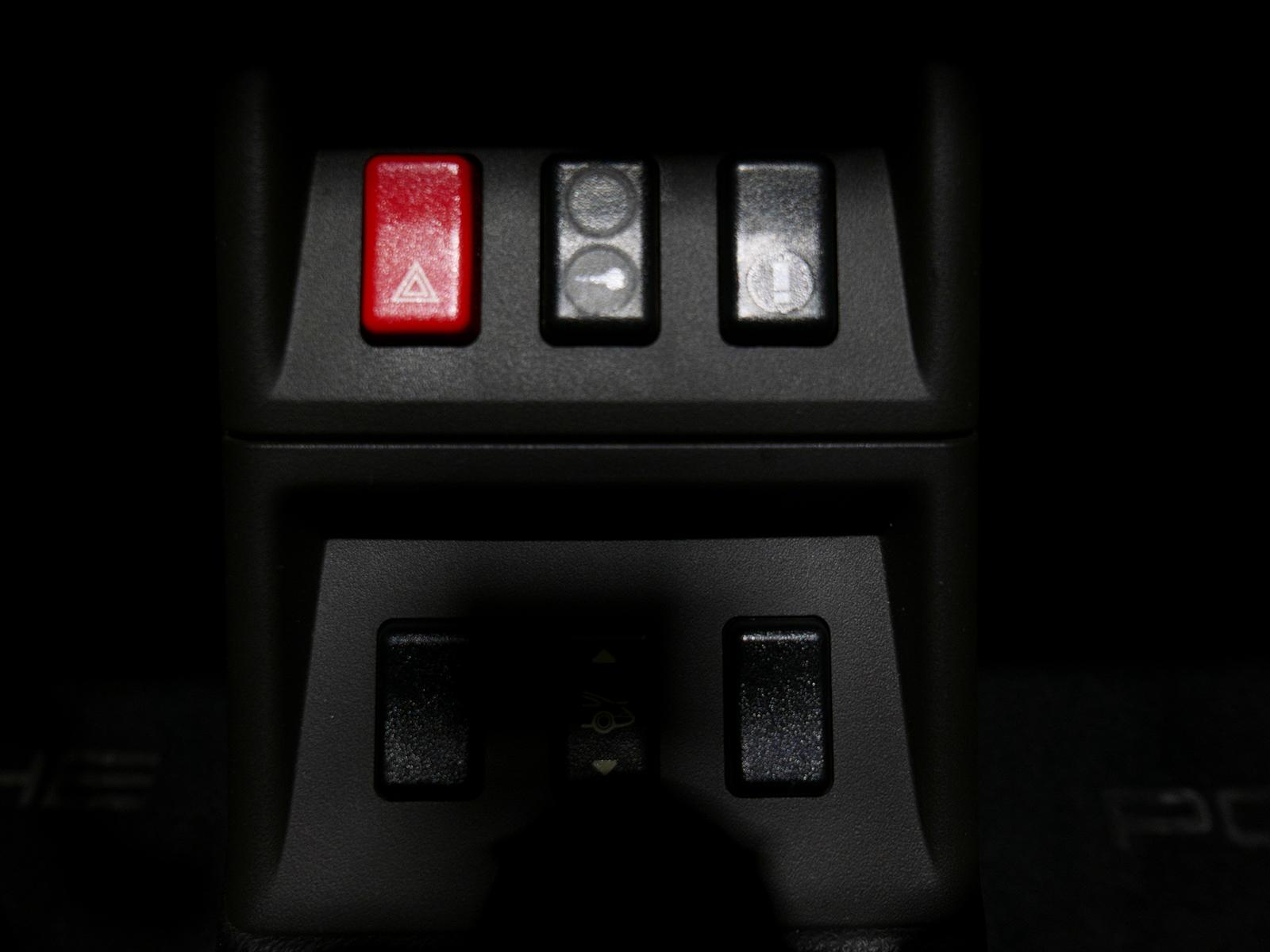 ポルシェ 911 タイプ993 カレラ タイプ Ⅰ センターコンソール