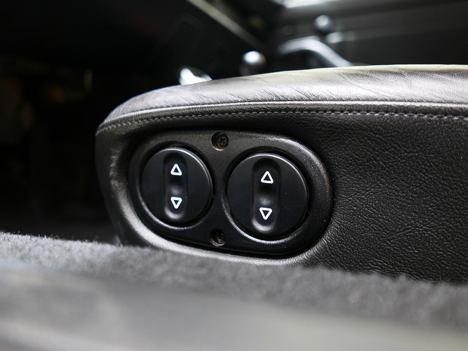 ポルシェ 911 タイプ993 カレラ タイプ Ⅰ シートスイッチ