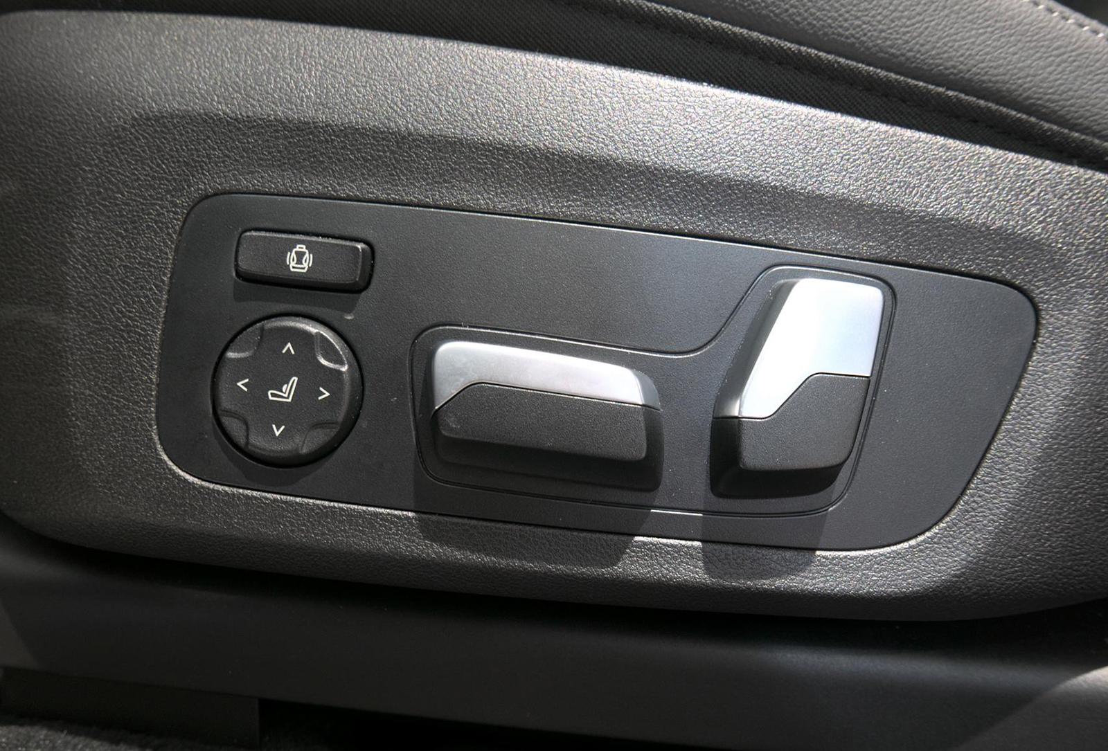 BMW アルピナ XD4 Allrad パワーシートスイッチ