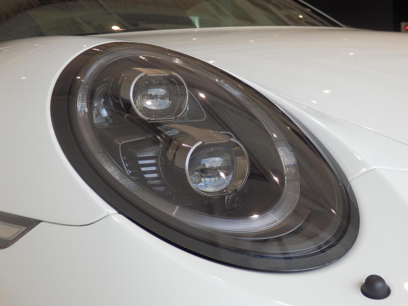 ポルシェ 911 GT3 タイプ991-Ⅱ ヘッドライト