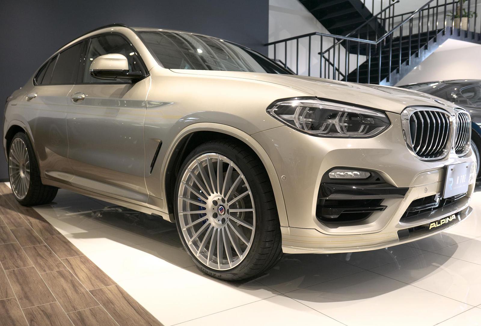 BMW アルピナ XD4 Allrad 右フロント