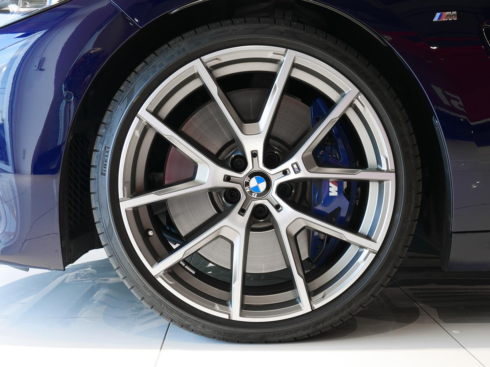 BMW M850i xDrive クーペ フロントホイール