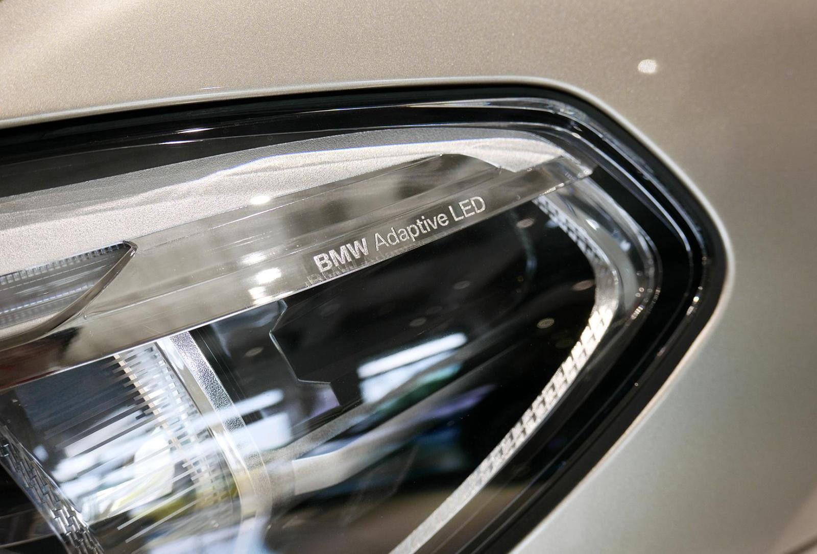 BMW アルピナ XD4 Allrad ヘッドライト