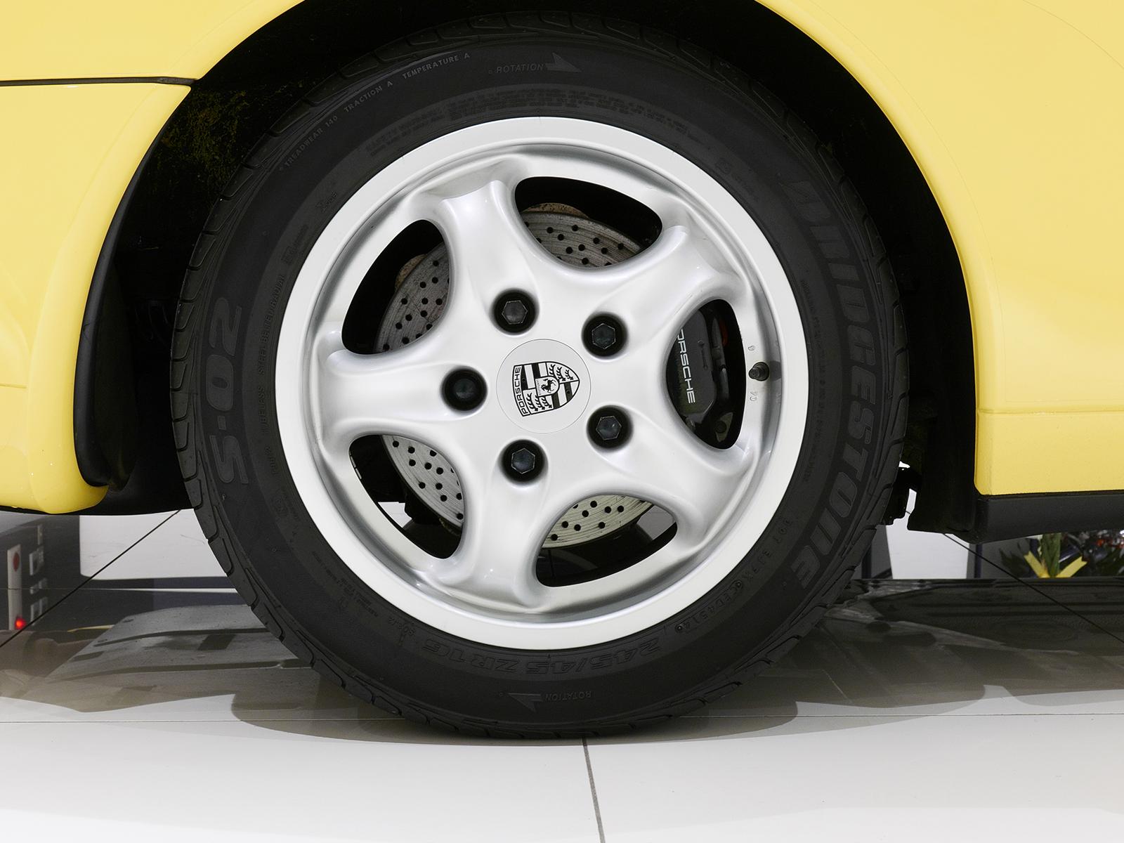 ポルシェ 911 タイプ993 カレラ タイプ Ⅰ フロントホイール