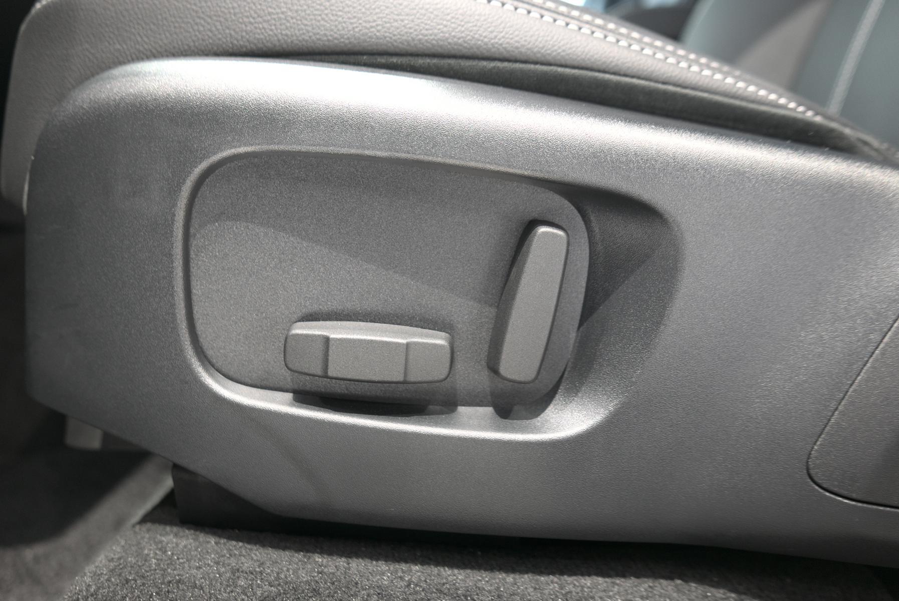 ヴェラール Rダイナミック S P300 シリコンシルバー 助手席側パワーシートスイッチ