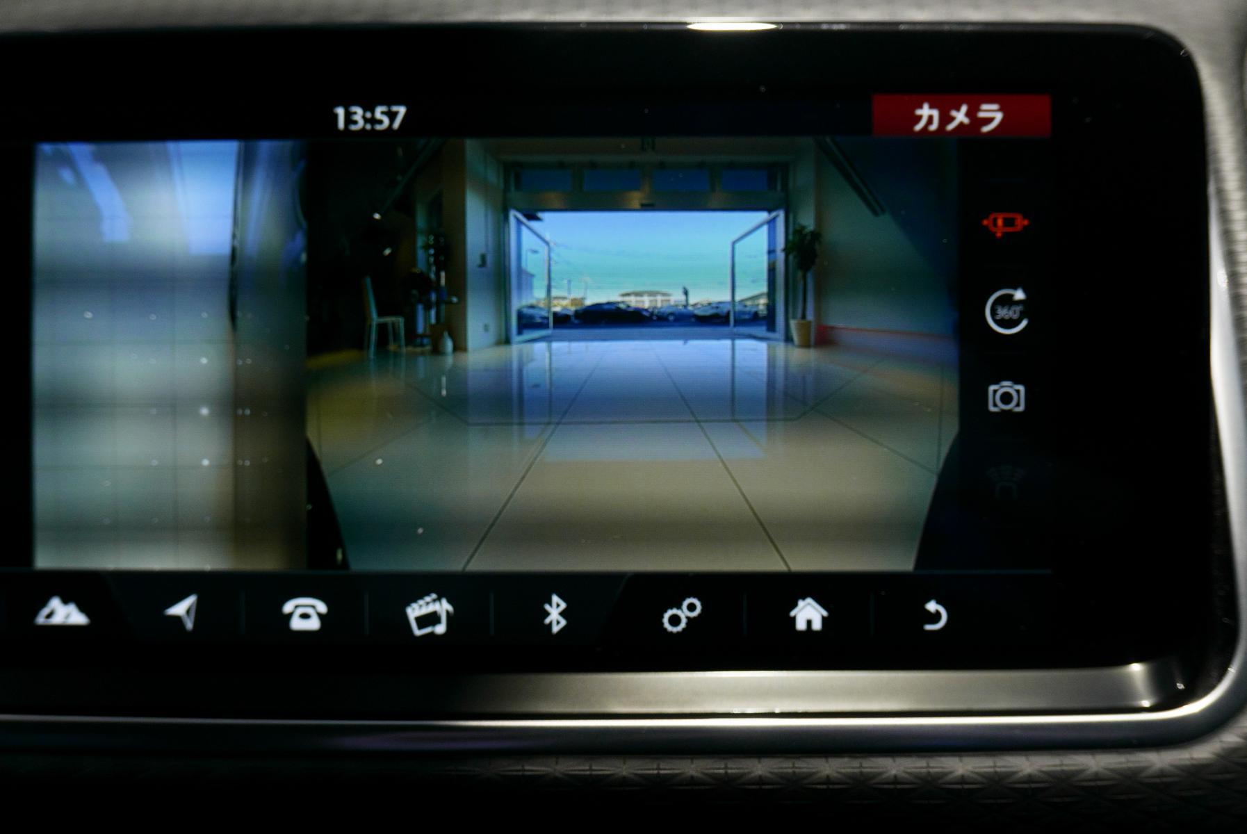 ヴェラール Rダイナミック S P300 シリコンシルバー リアビューカメラ
