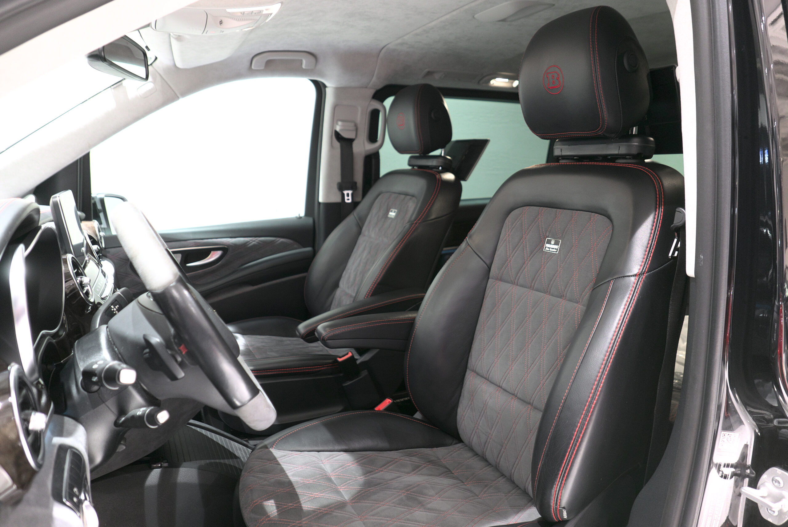 ブラバス V-D4 運転席