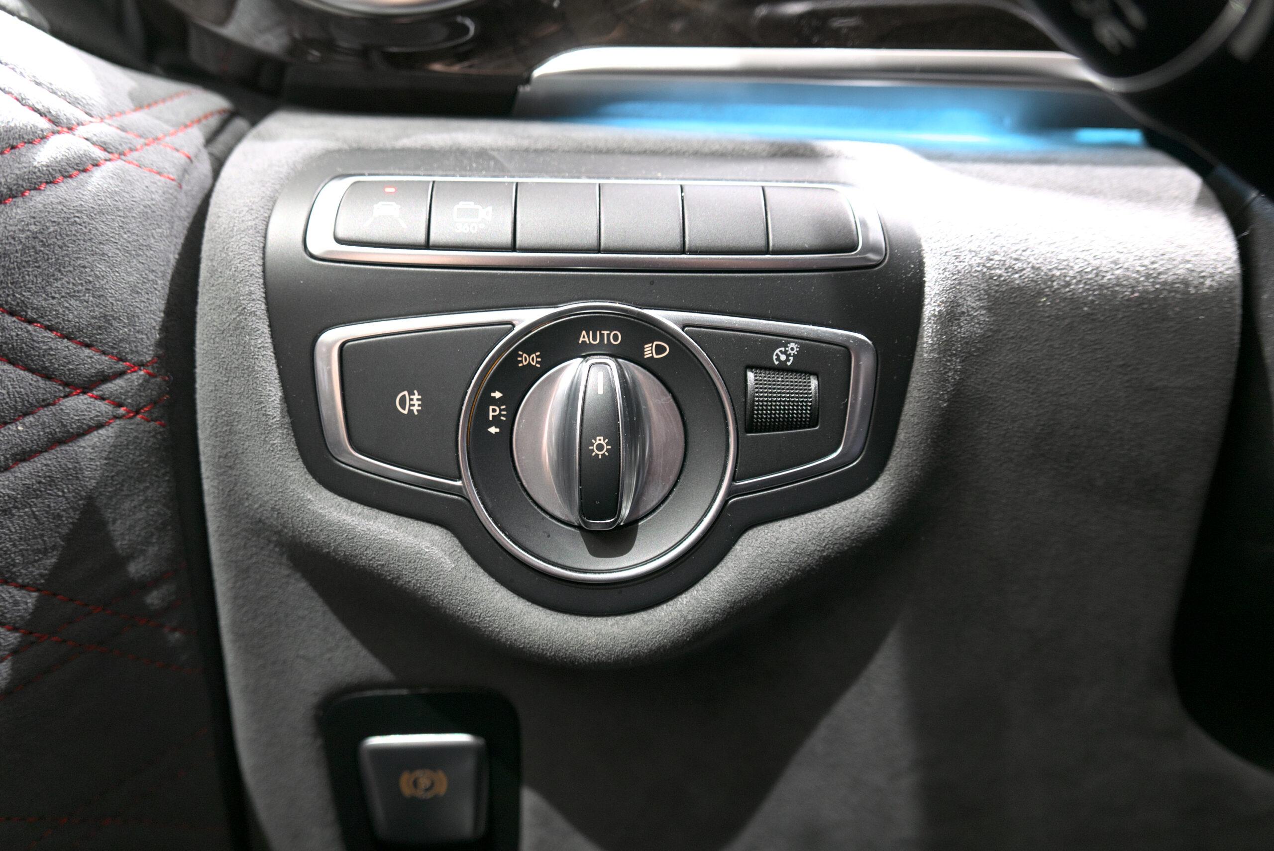 ブラバス V-D4 hヘッドライトスイッチ