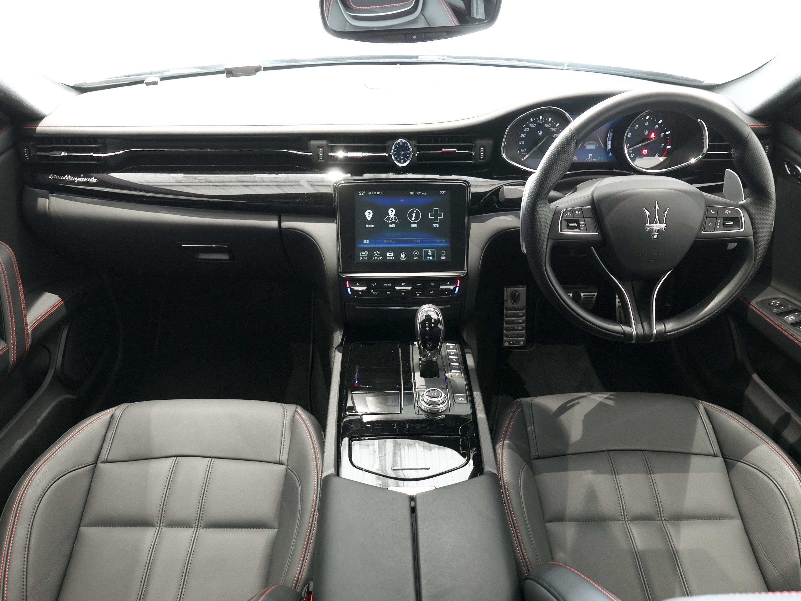 マセラティ クアトロポルテ S グランスポーツ 内装
