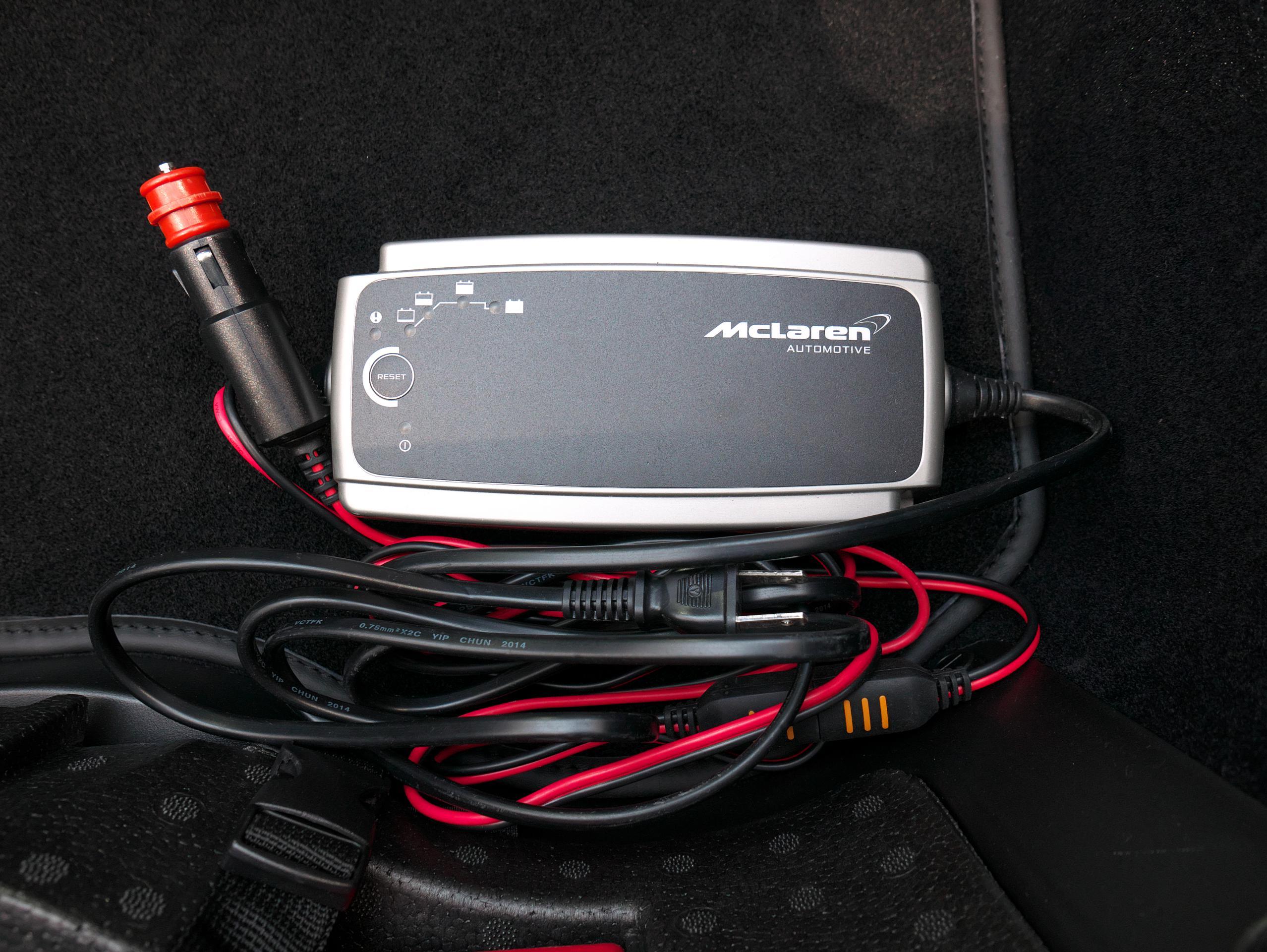 マクラーレン 540C バッテリーコンディショナー