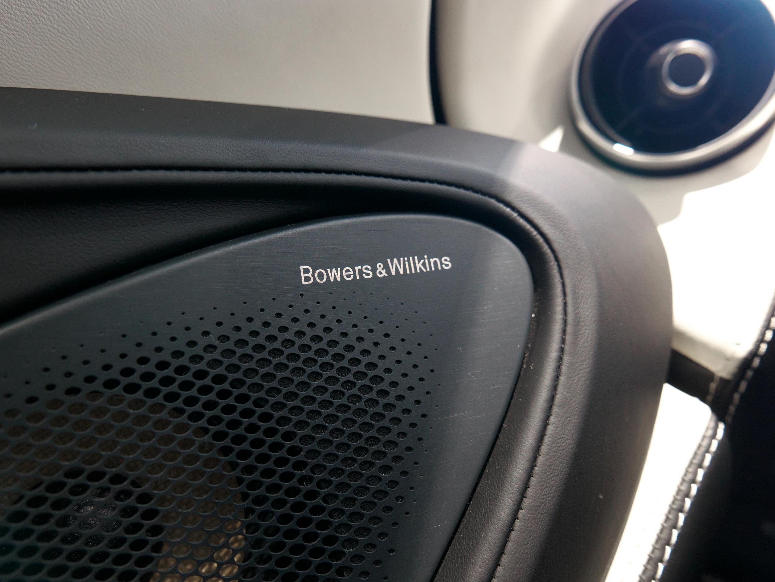マクラーレン 540C Bowers & Wilkins スピーカー
