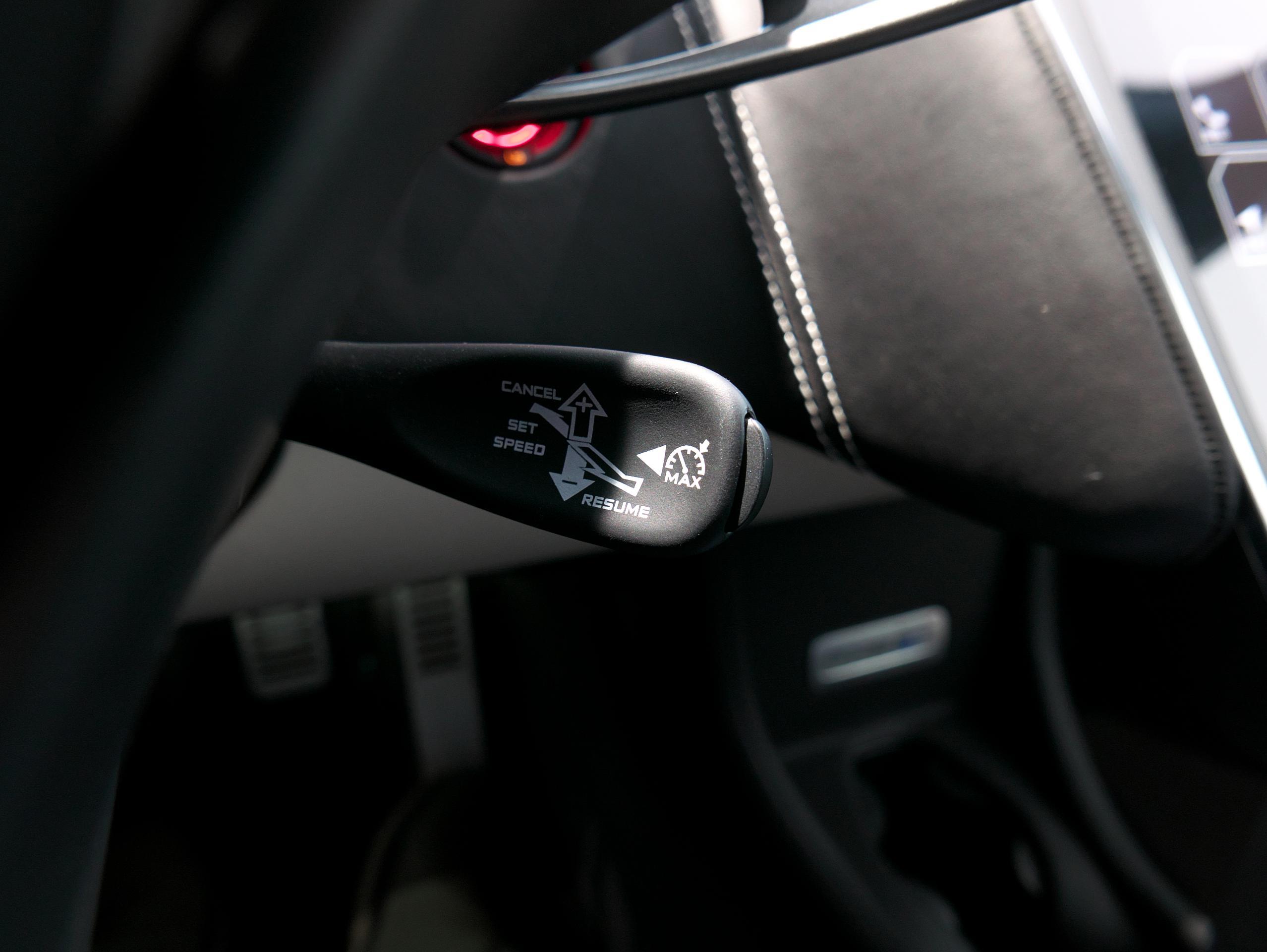 マクラーレン 540C クルーズコントロールスイッチ