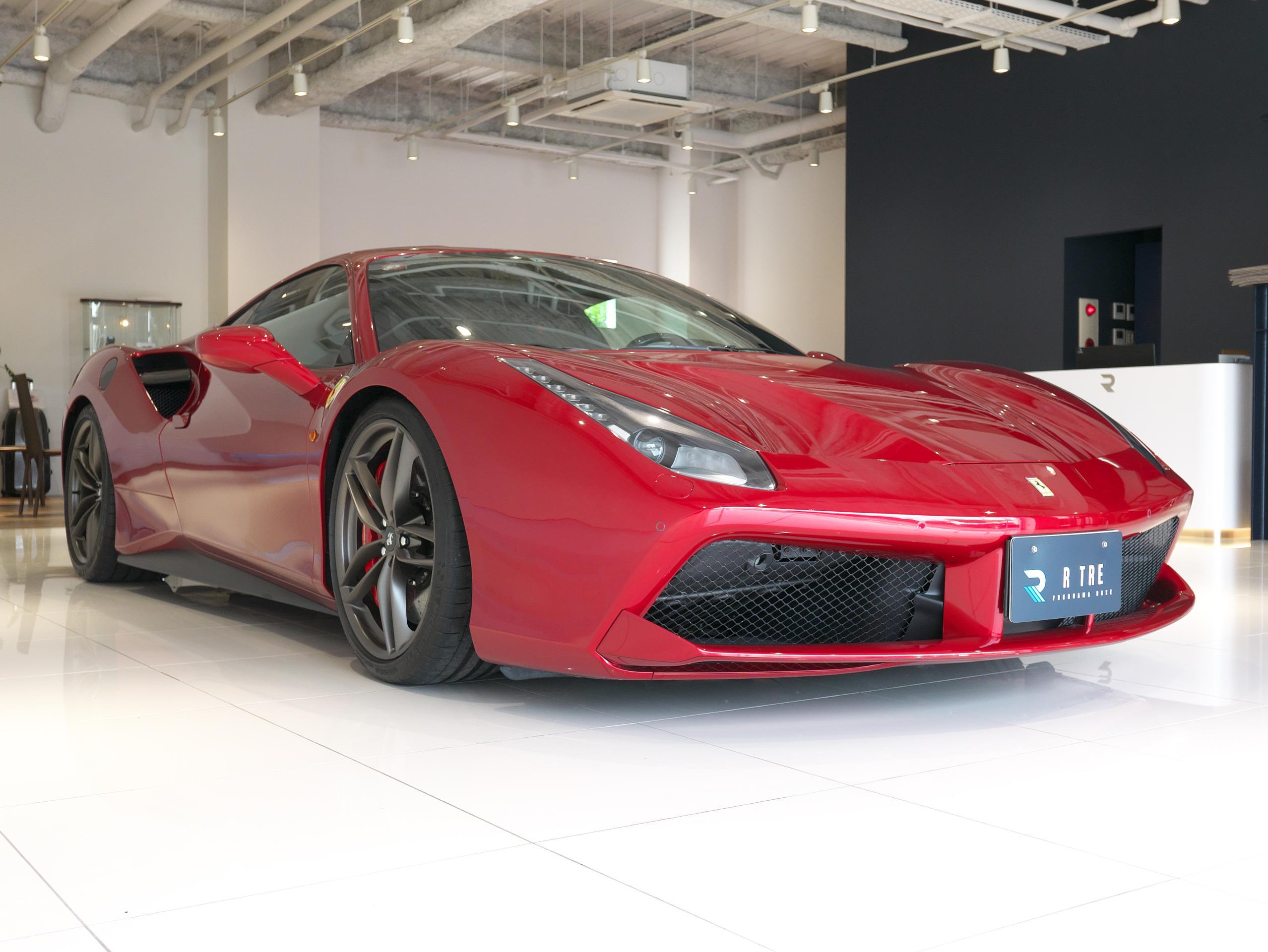 フェラーリ 488GTB 右フロント