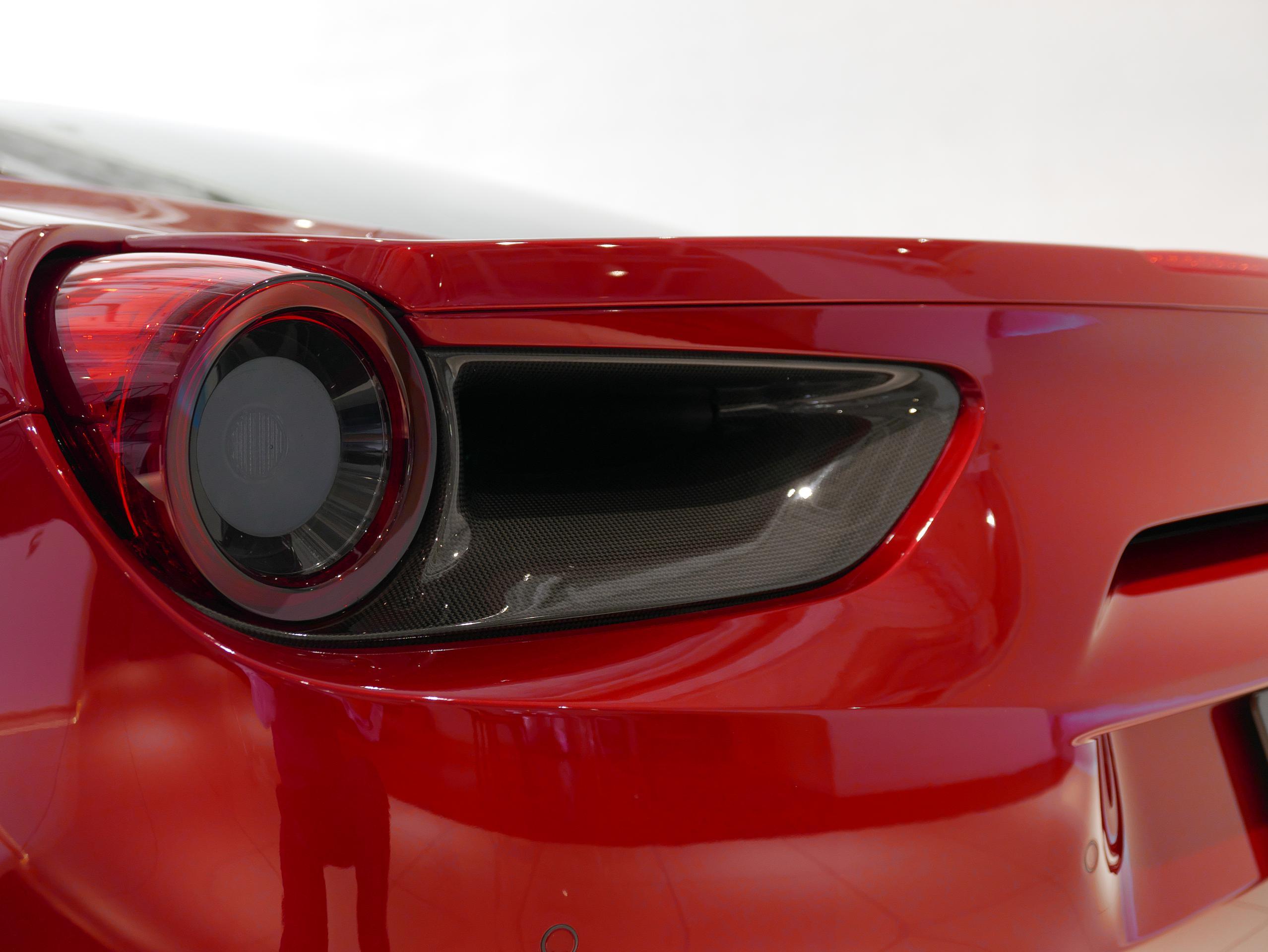 フェラーリ 488GTB テールレンズ