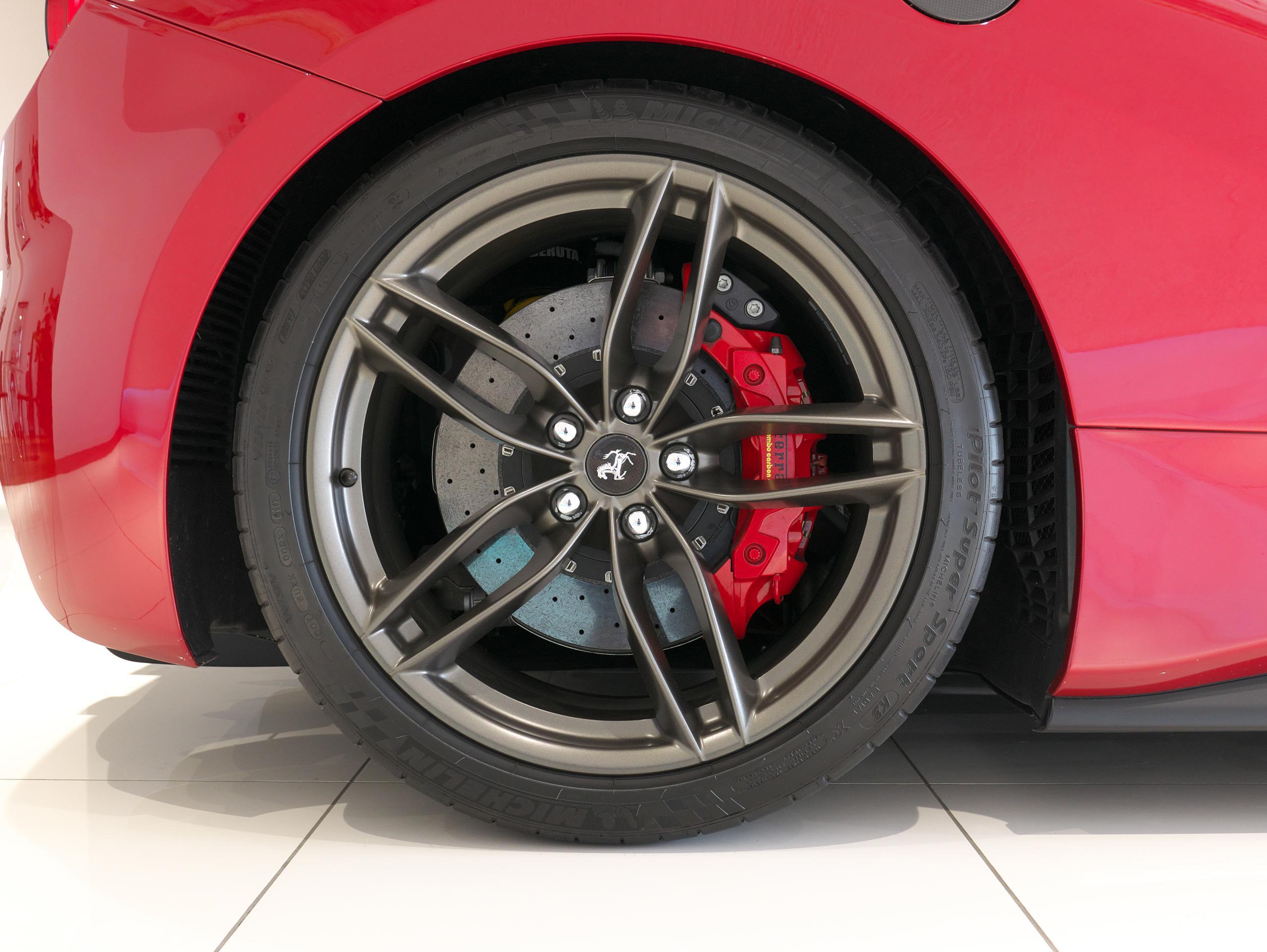 フェラーリ 488GTB 右リアホイール