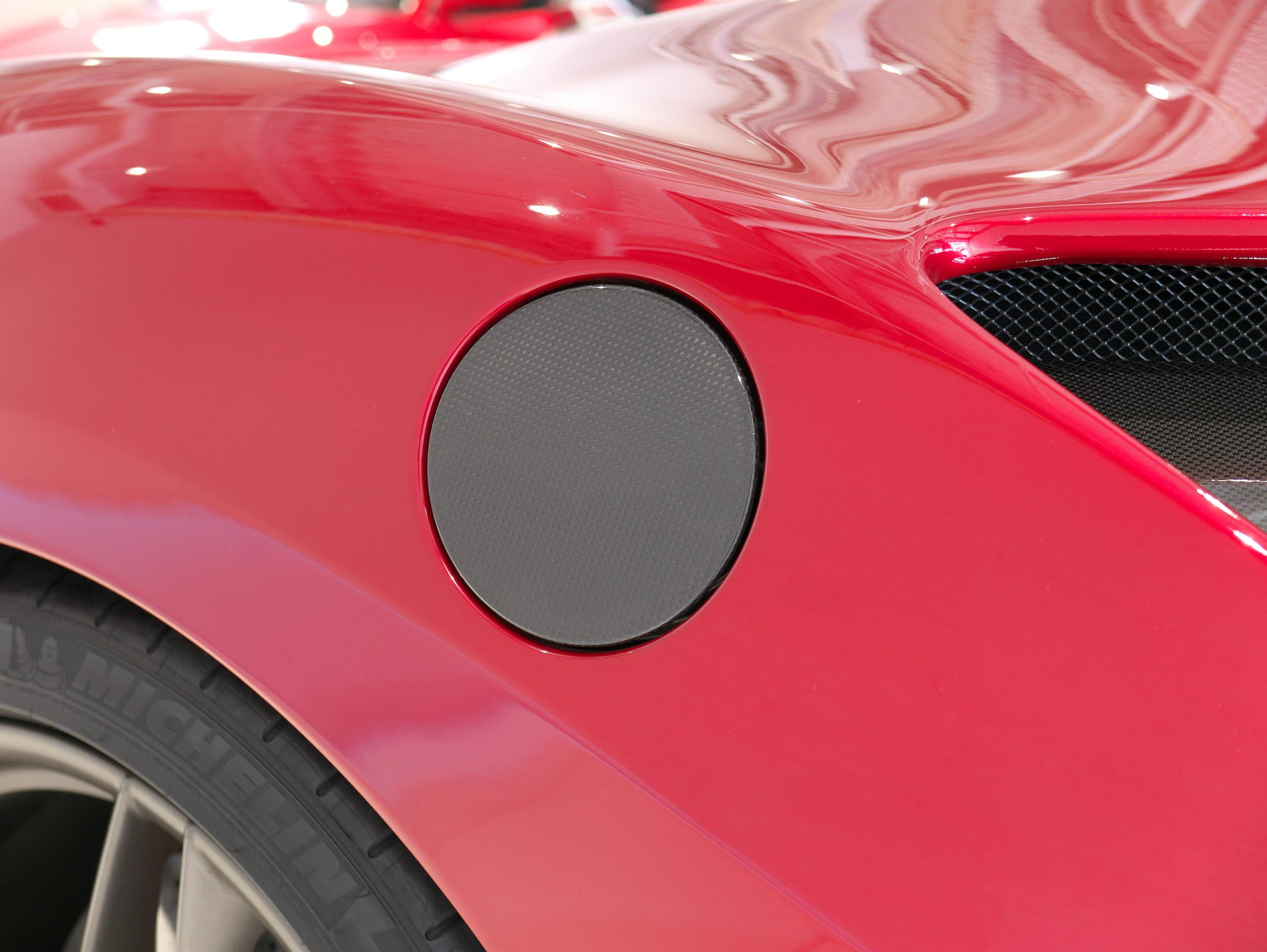 フェラーリ 488GTB 給油口キャップ