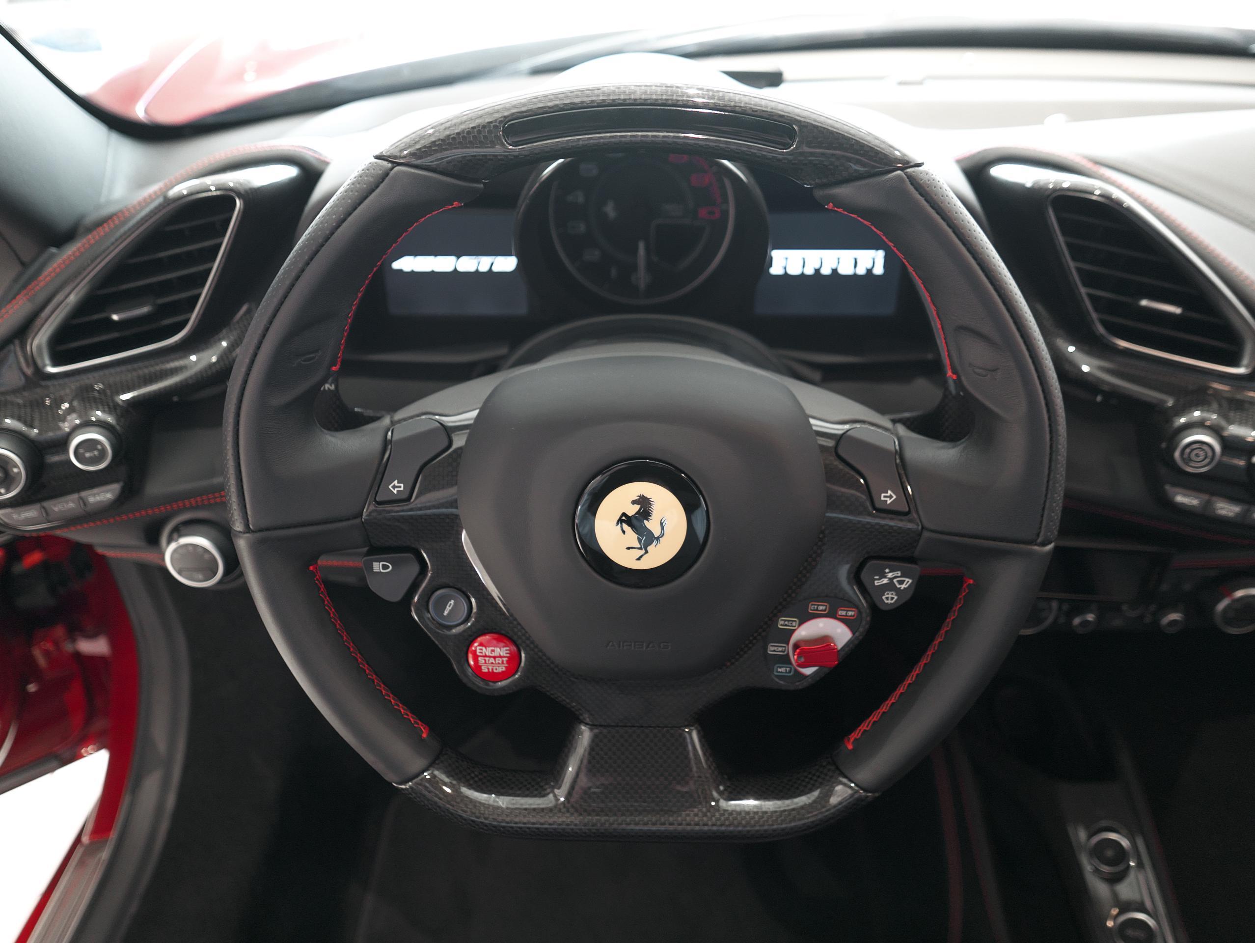 フェラーリ 488GTB カーボンLEDステアリング