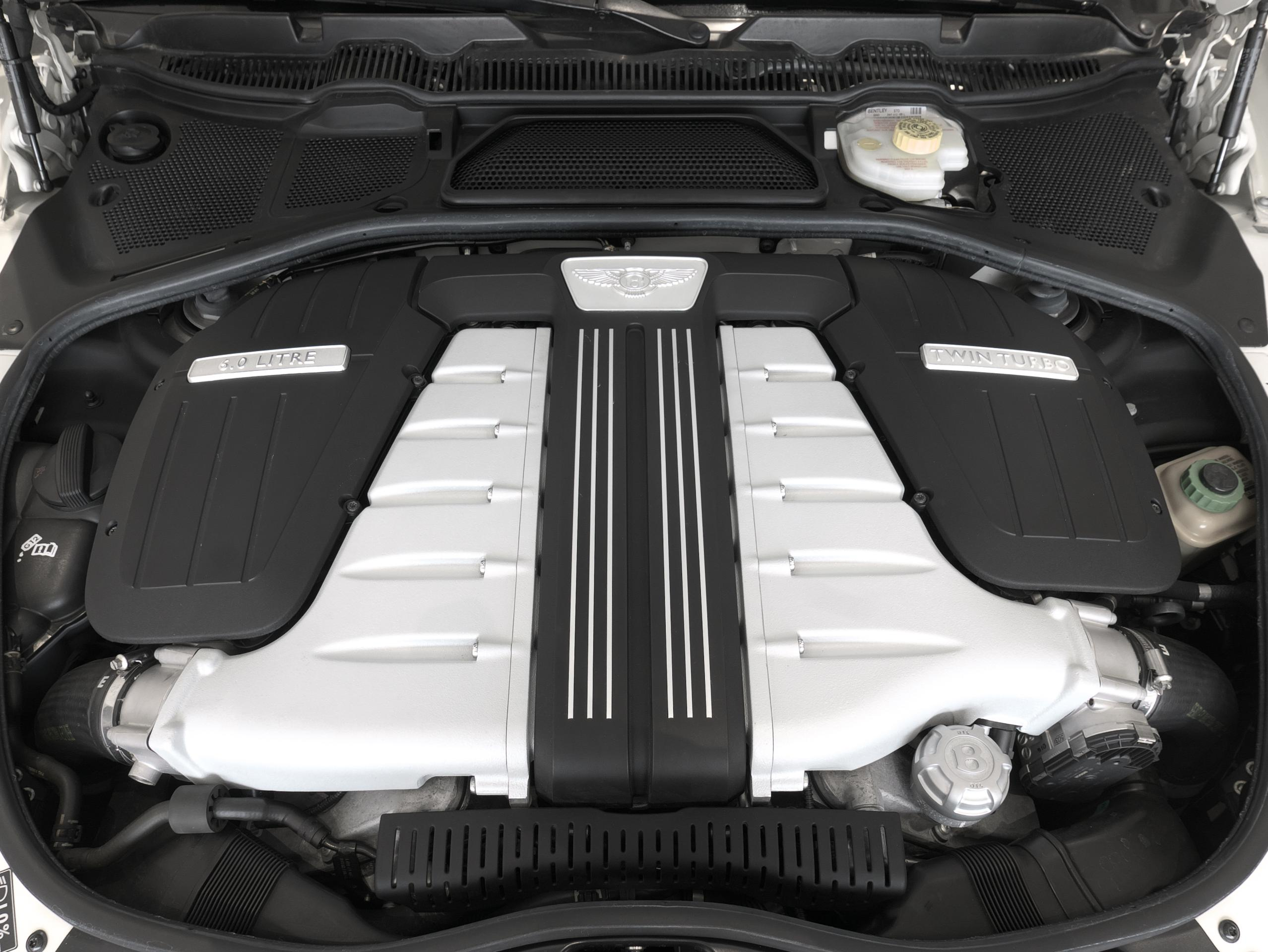 ベントレー フライングスパー W12 エンジン