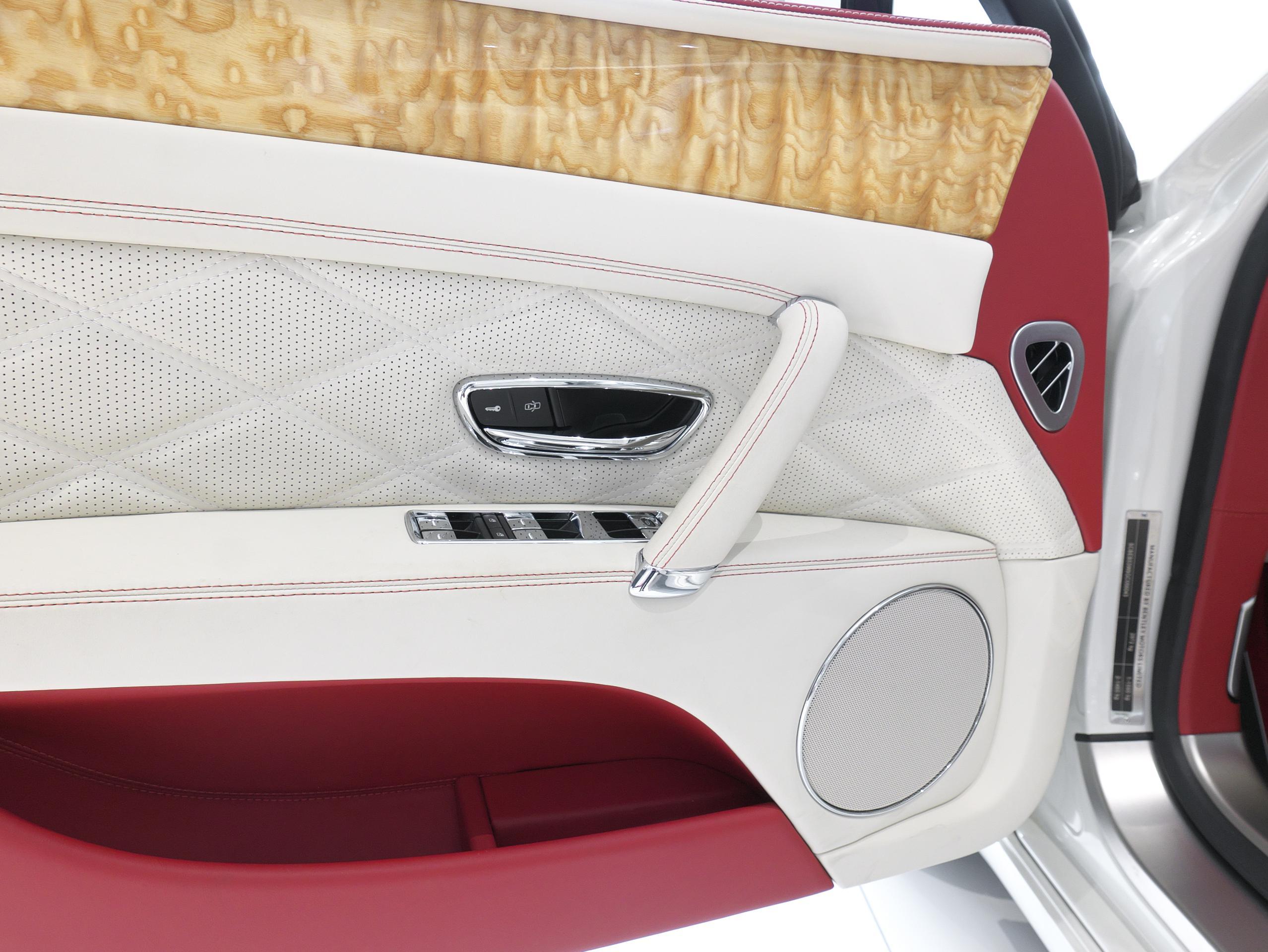 ベントレー フライングスパー W12 運転席ドア