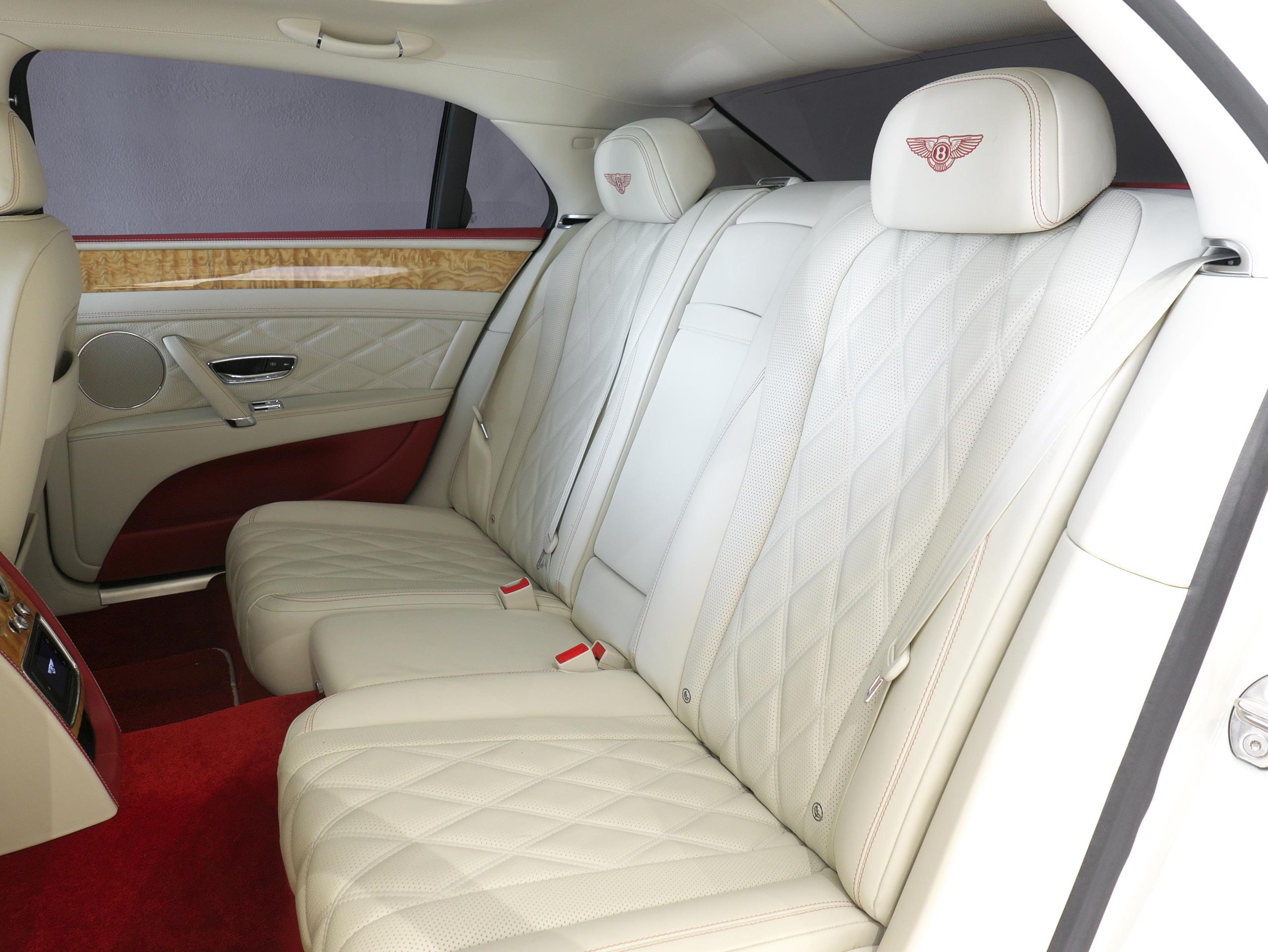 ベントレー フライングスパー W12 リアシート左側
