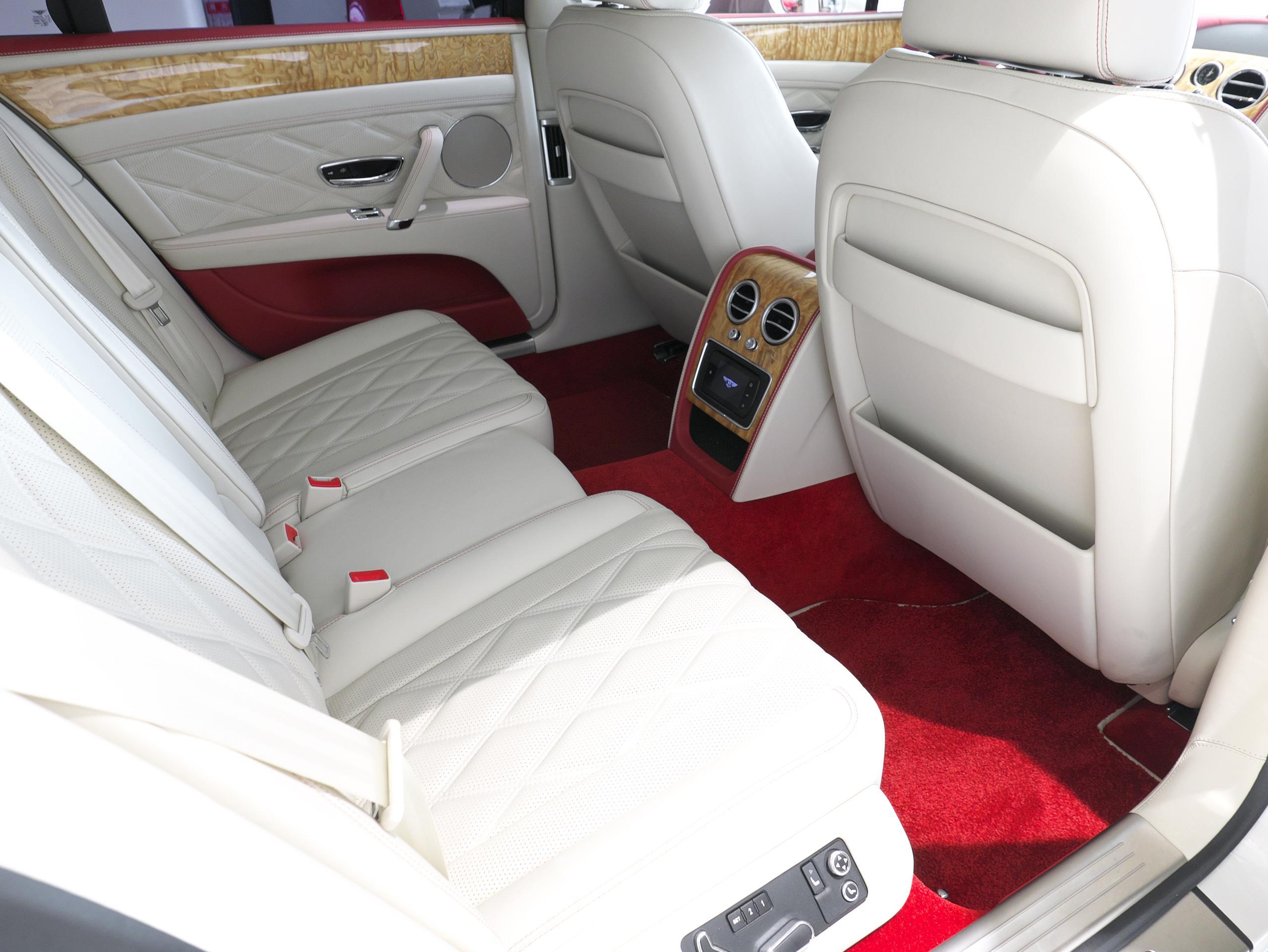 ベントレー フライングスパー W12 右リアシート