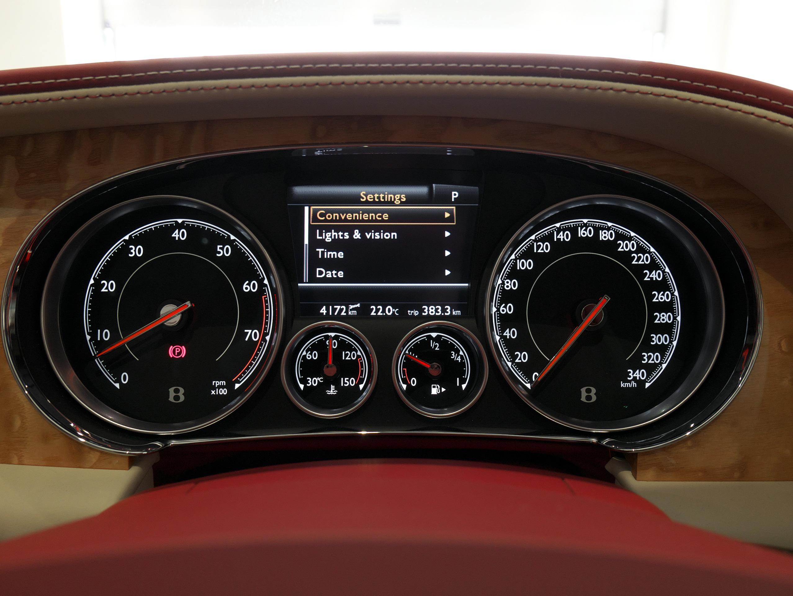 ベントレー フライングスパー W12 メーター