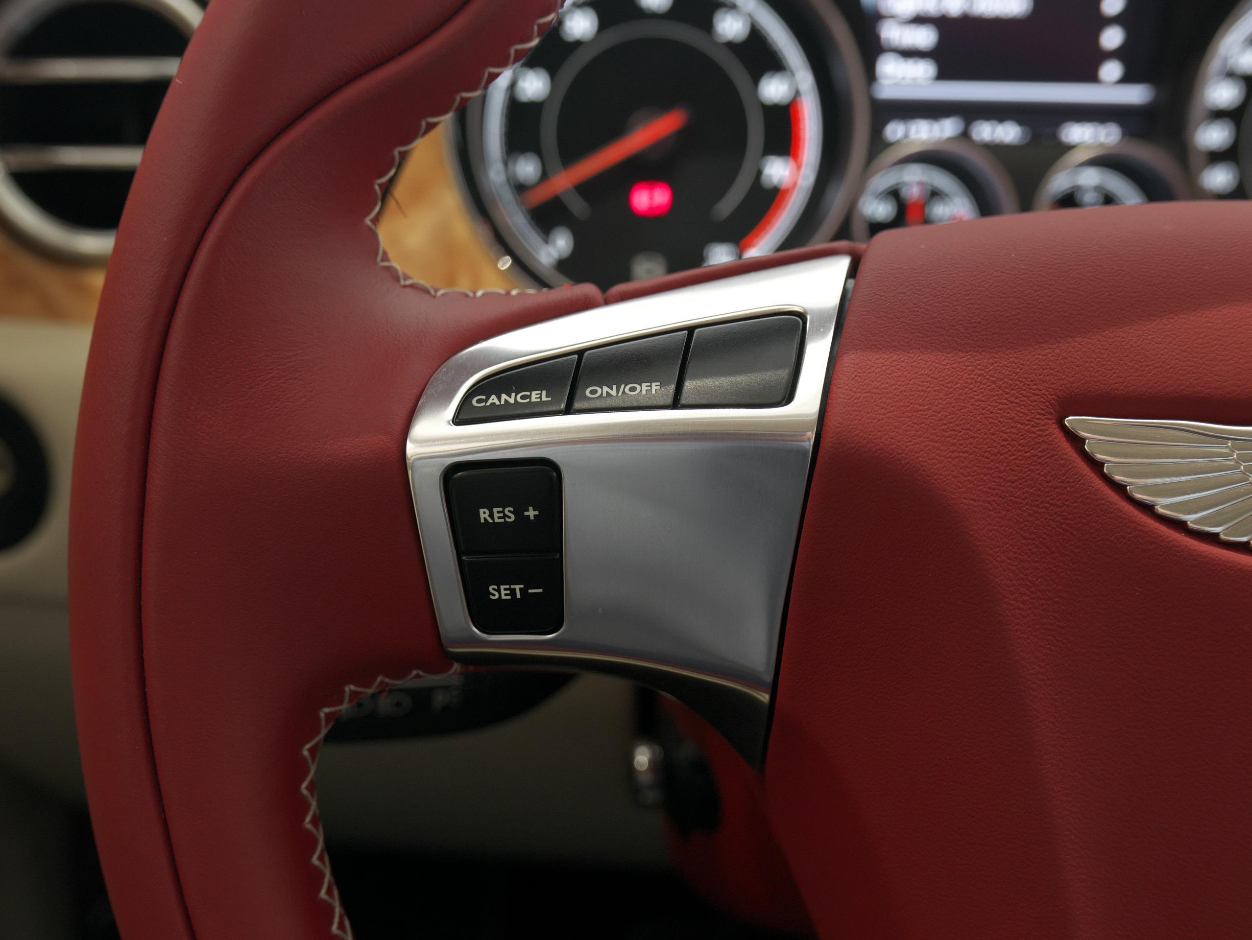 ベントレー フライングスパー W12 クルーズコントロールスイッチ