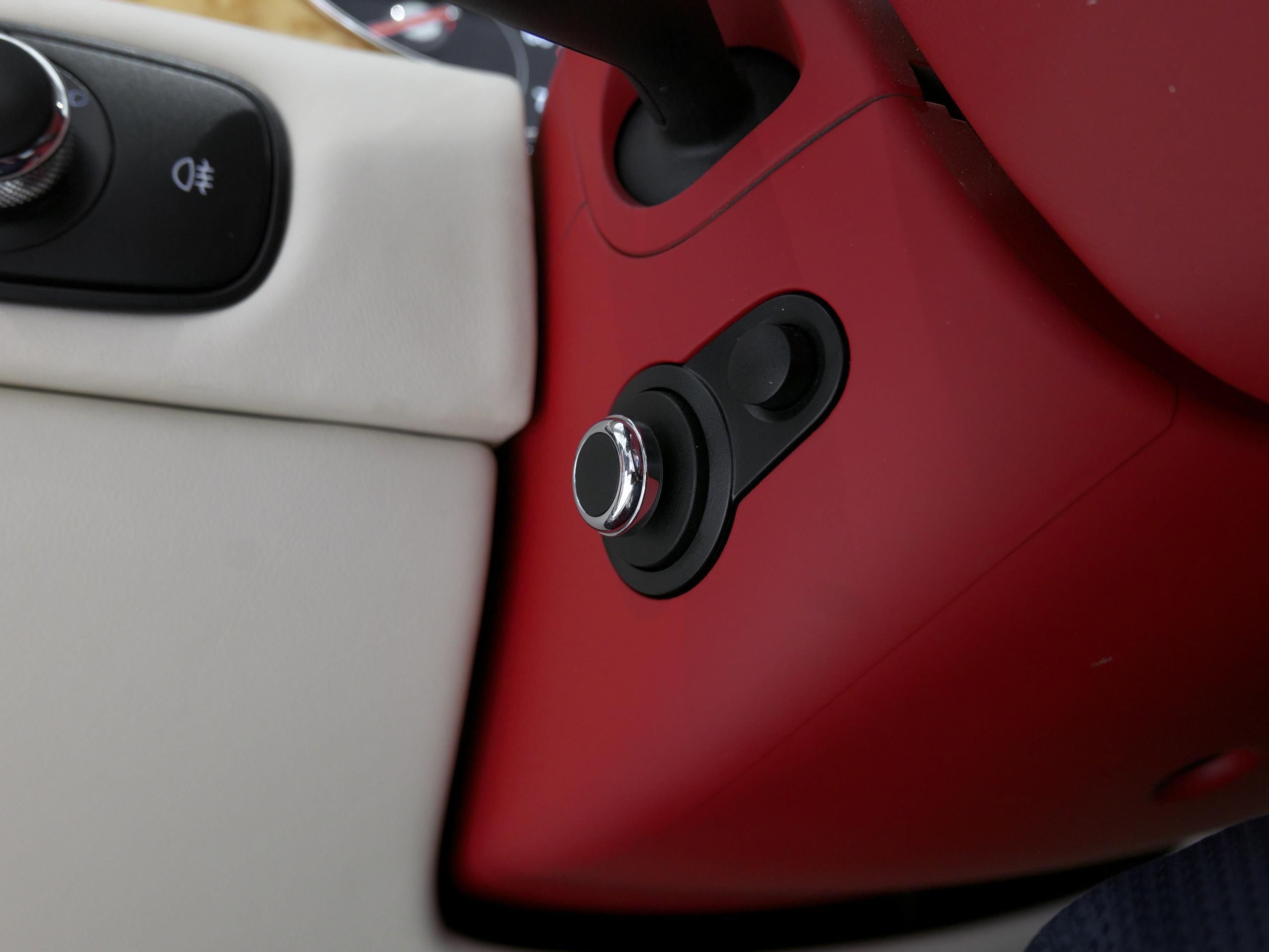 ベントレー フライングスパー W12 電動調整ステアリング
