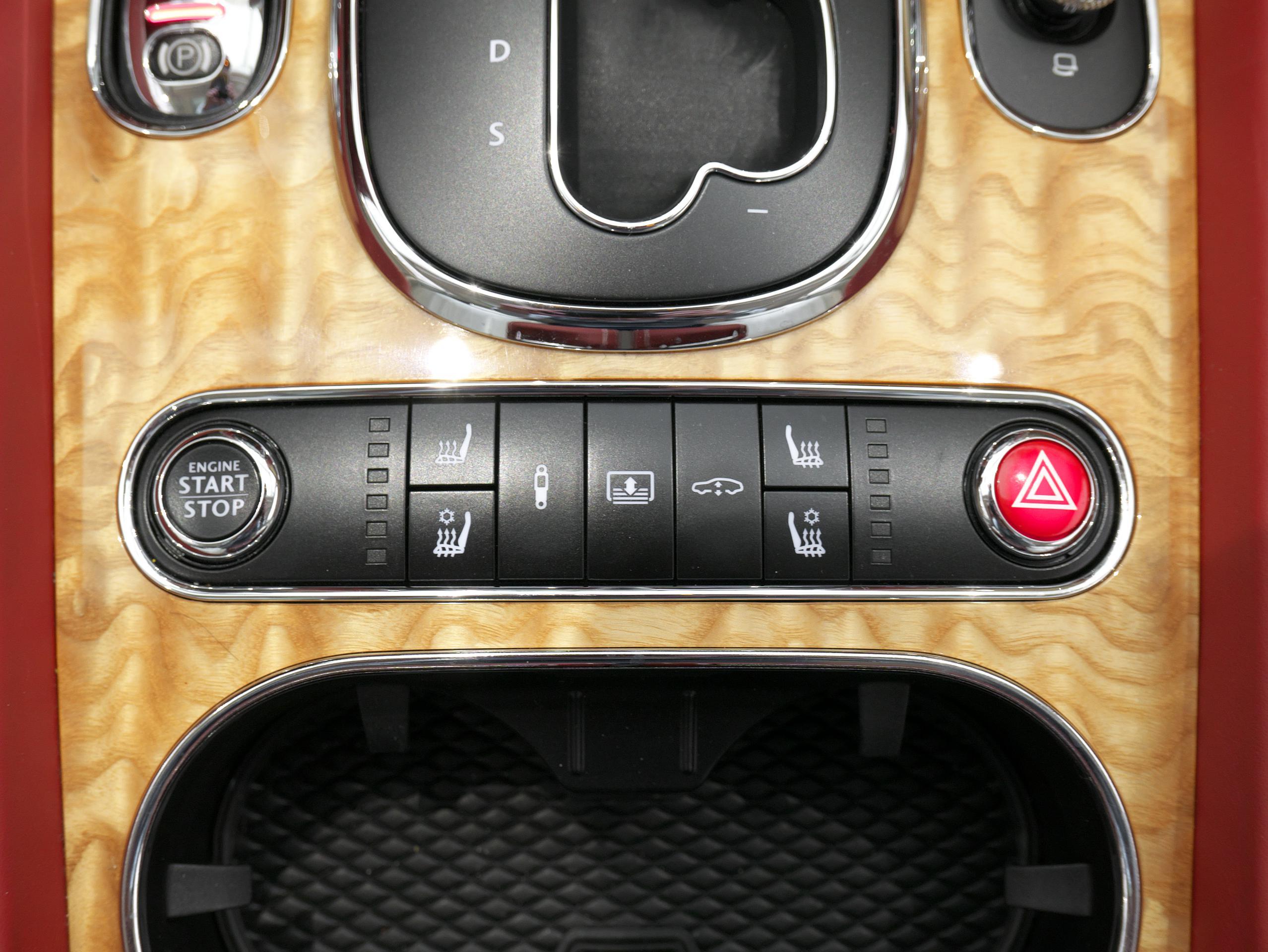 ベントレー フライングスパー W12 シートヒーター