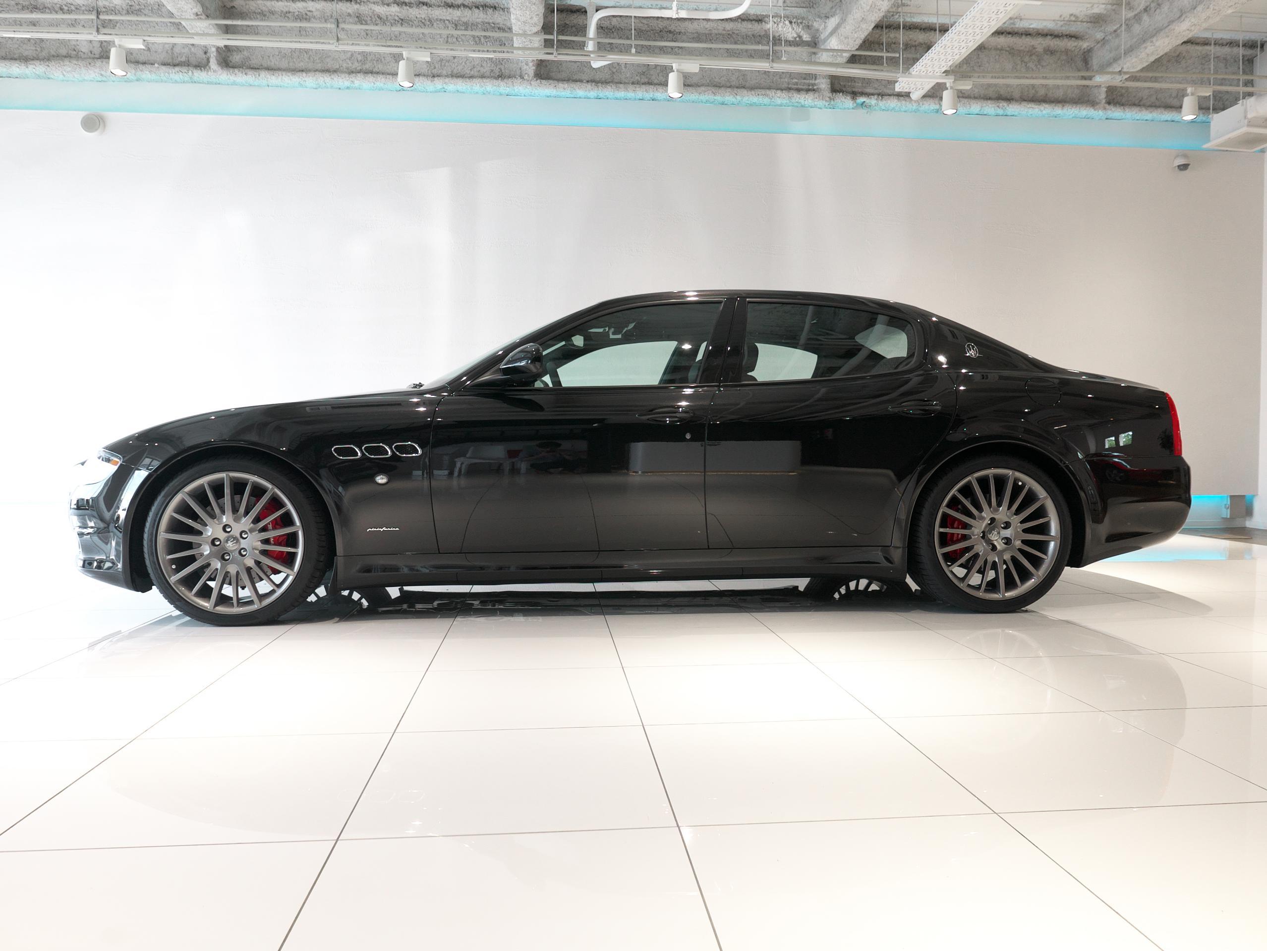 クアトロポルテ スポーツ GT S 左サイドビュー