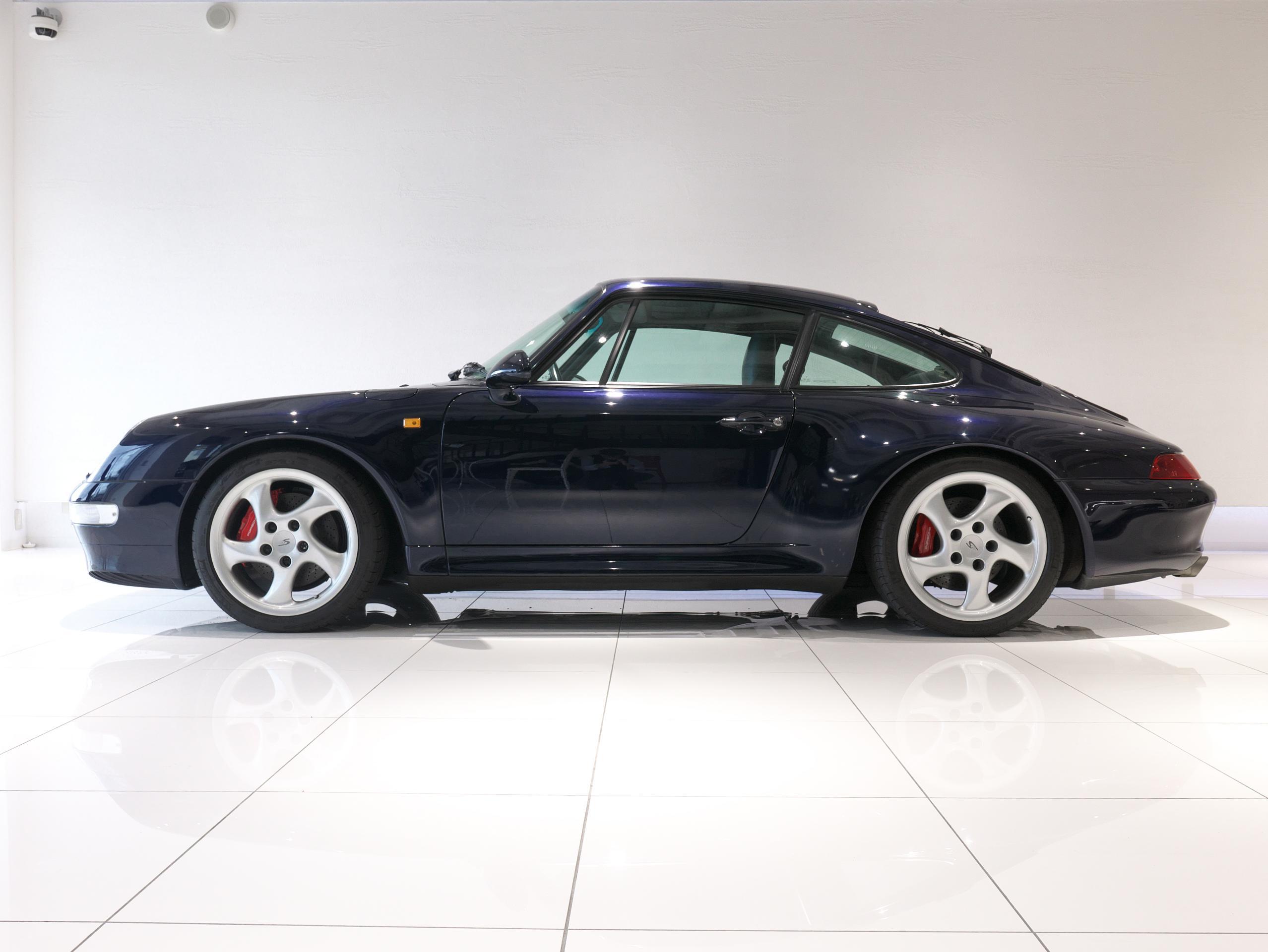 ポルシェ 911 カレラ4S 993 左サイドビュー