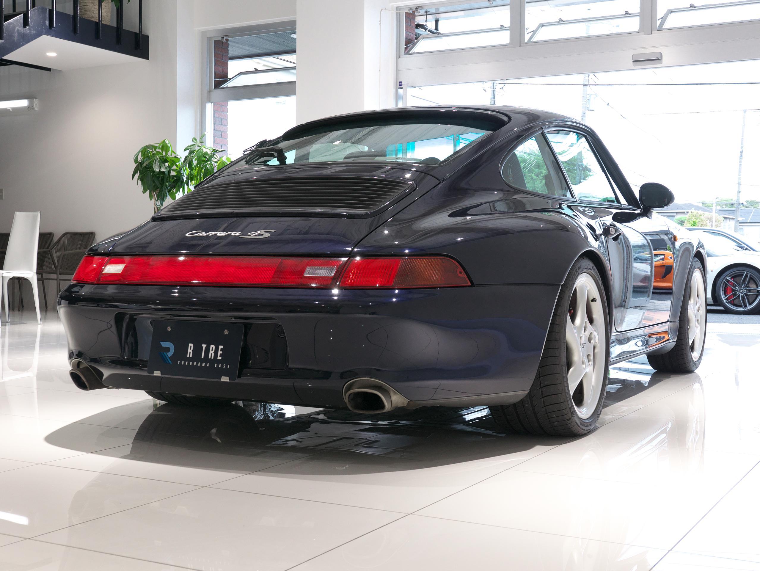ポルシェ 911 カレラ4S 993 右斜め前