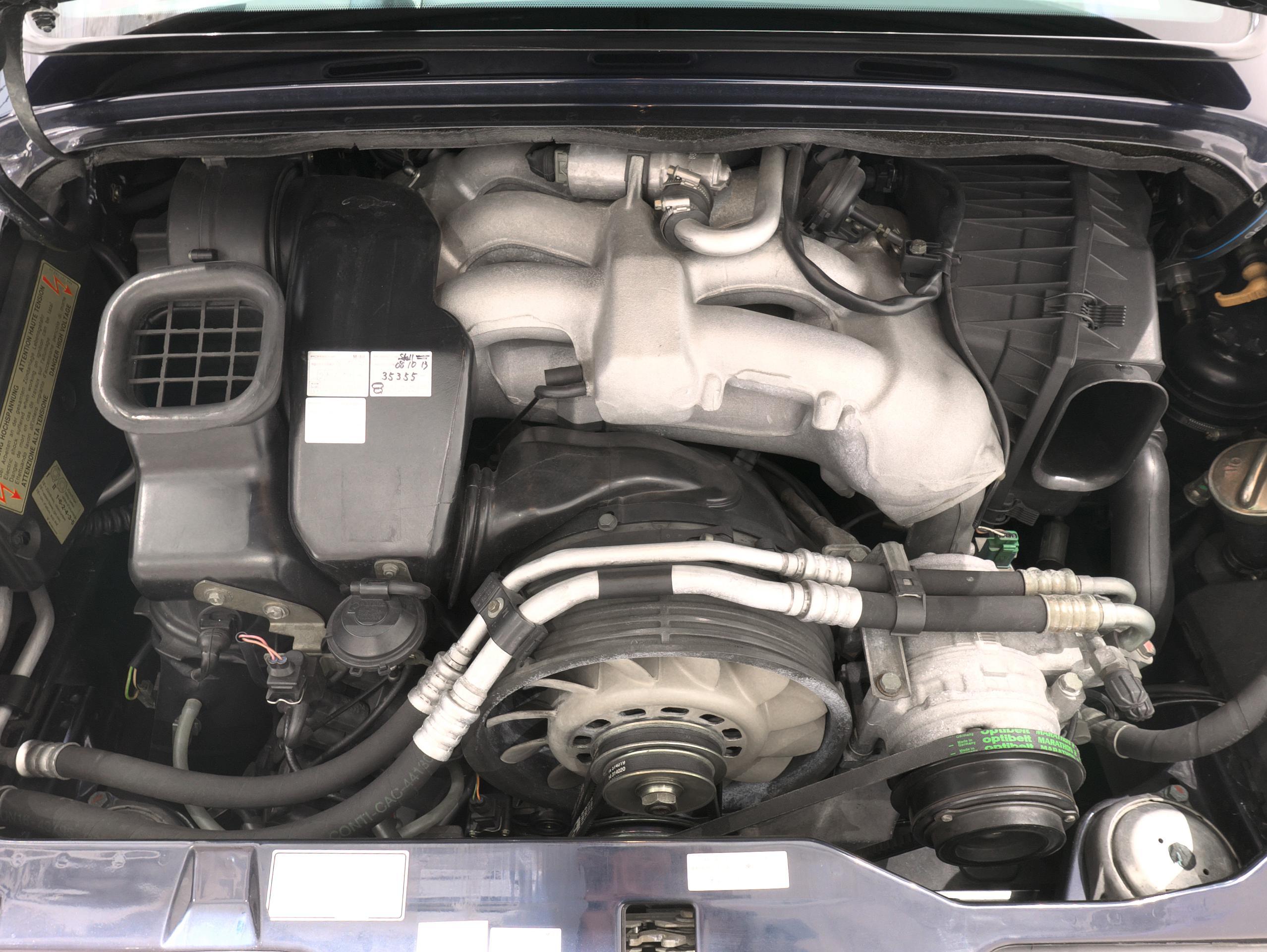ポルシェ 911 カレラ4S 993 バリオラムエンジン