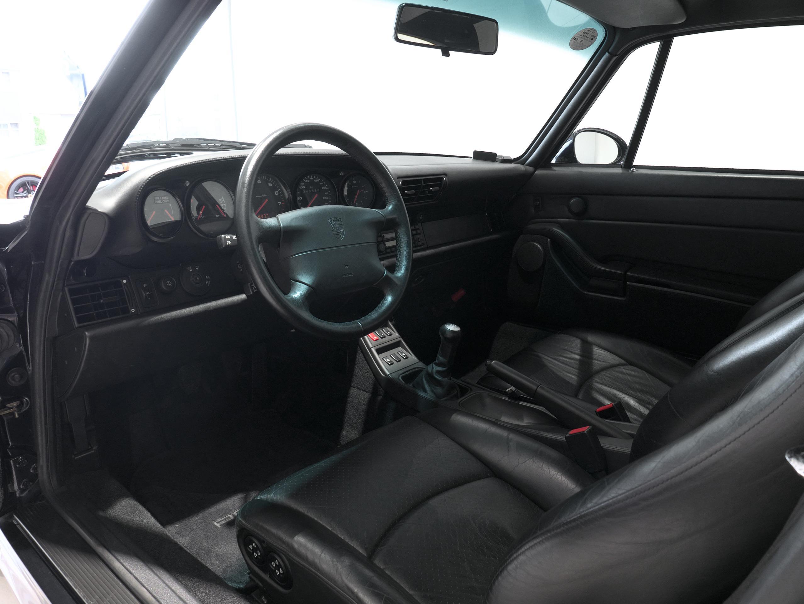 ポルシェ 911 カレラ4S 993 運転席