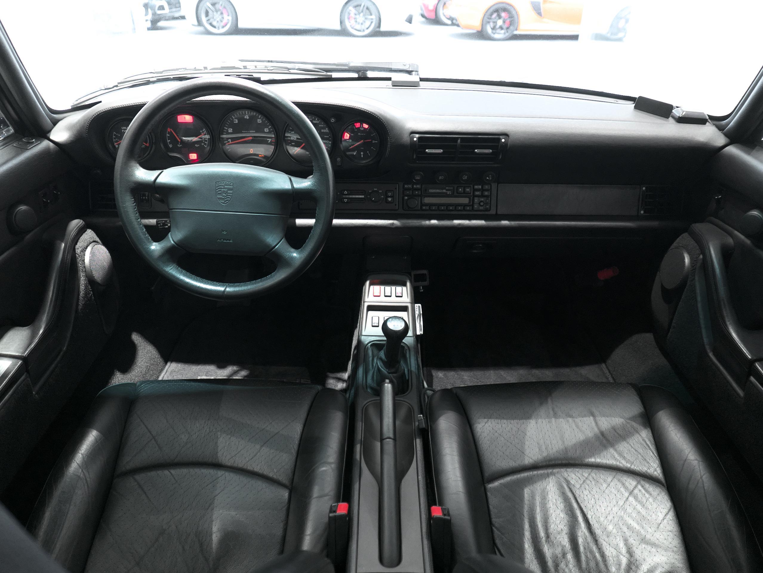 ポルシェ 911 カレラ4S 993 内装